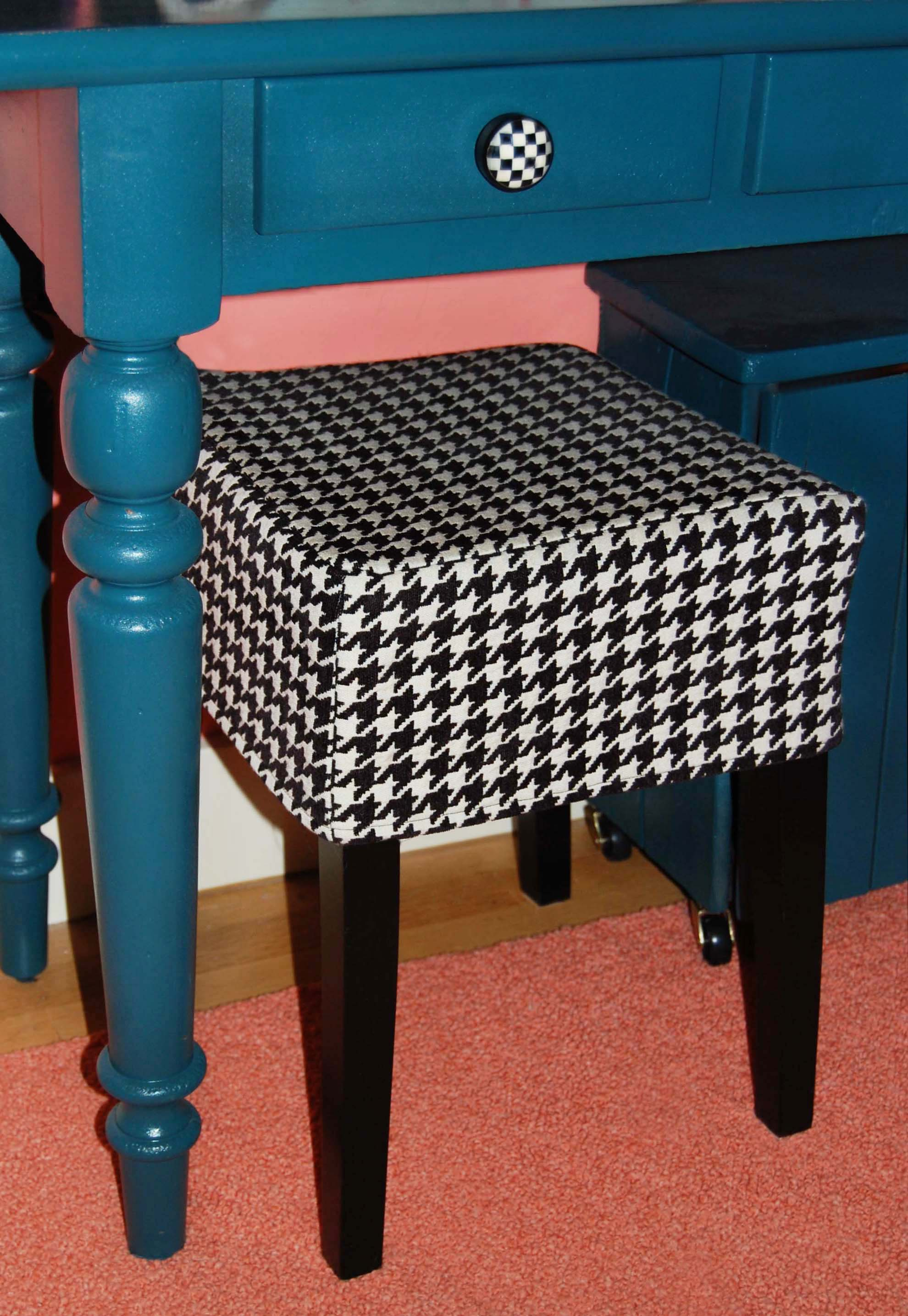 houndstooth-seat-cover copy.jpg