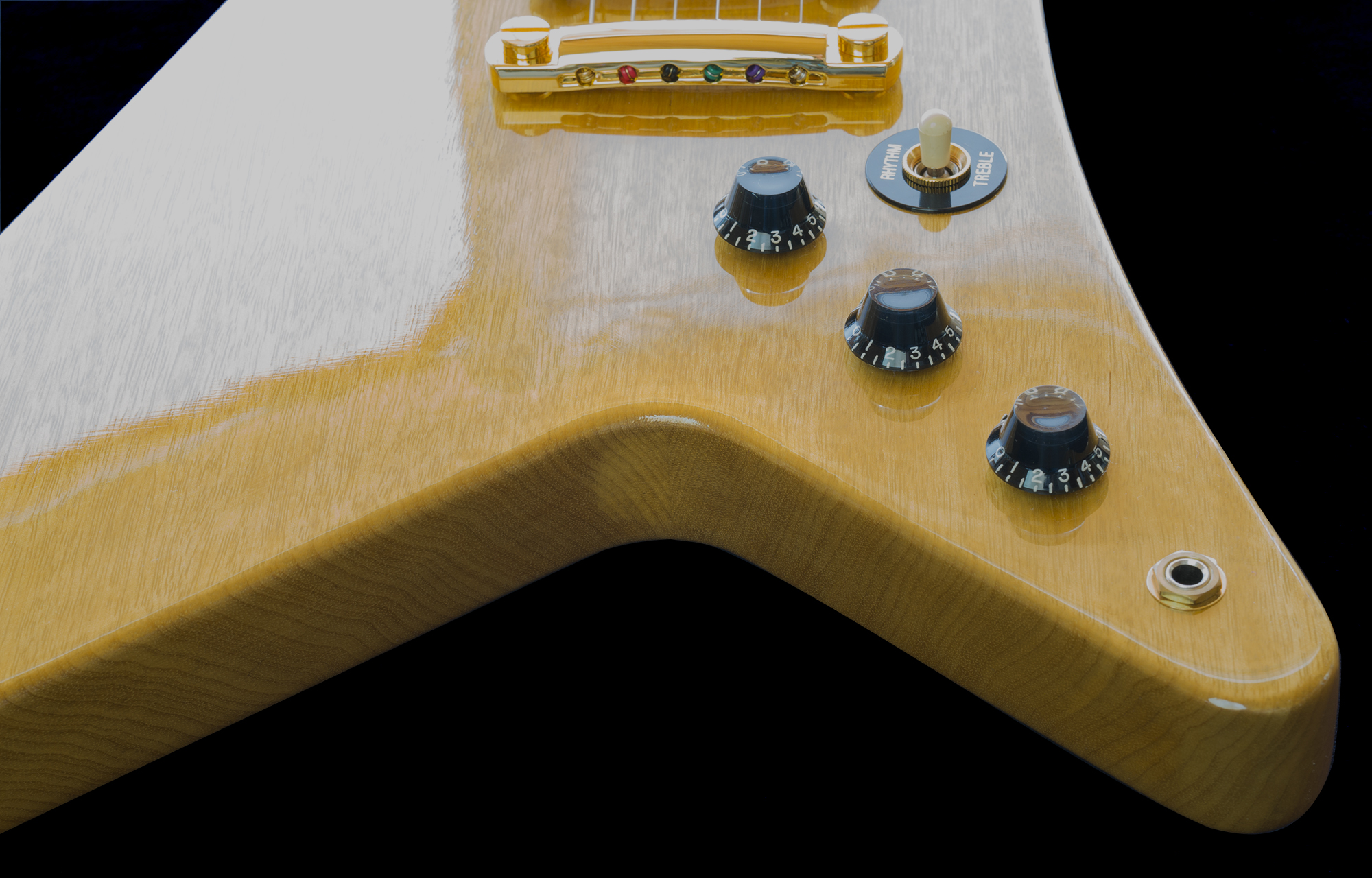 """You can see the 2-piece body construction. It is rare to see a nicely matched Korina body with """"center-seam"""" construction. Gibson did Not have much high-quality Korina wood."""
