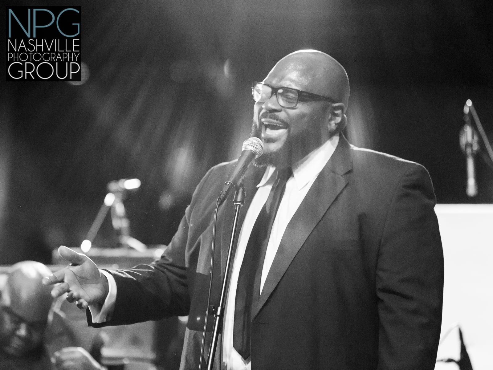 American Idol winner Ruben Studdard serenaded the guests - Nashville wedding photography