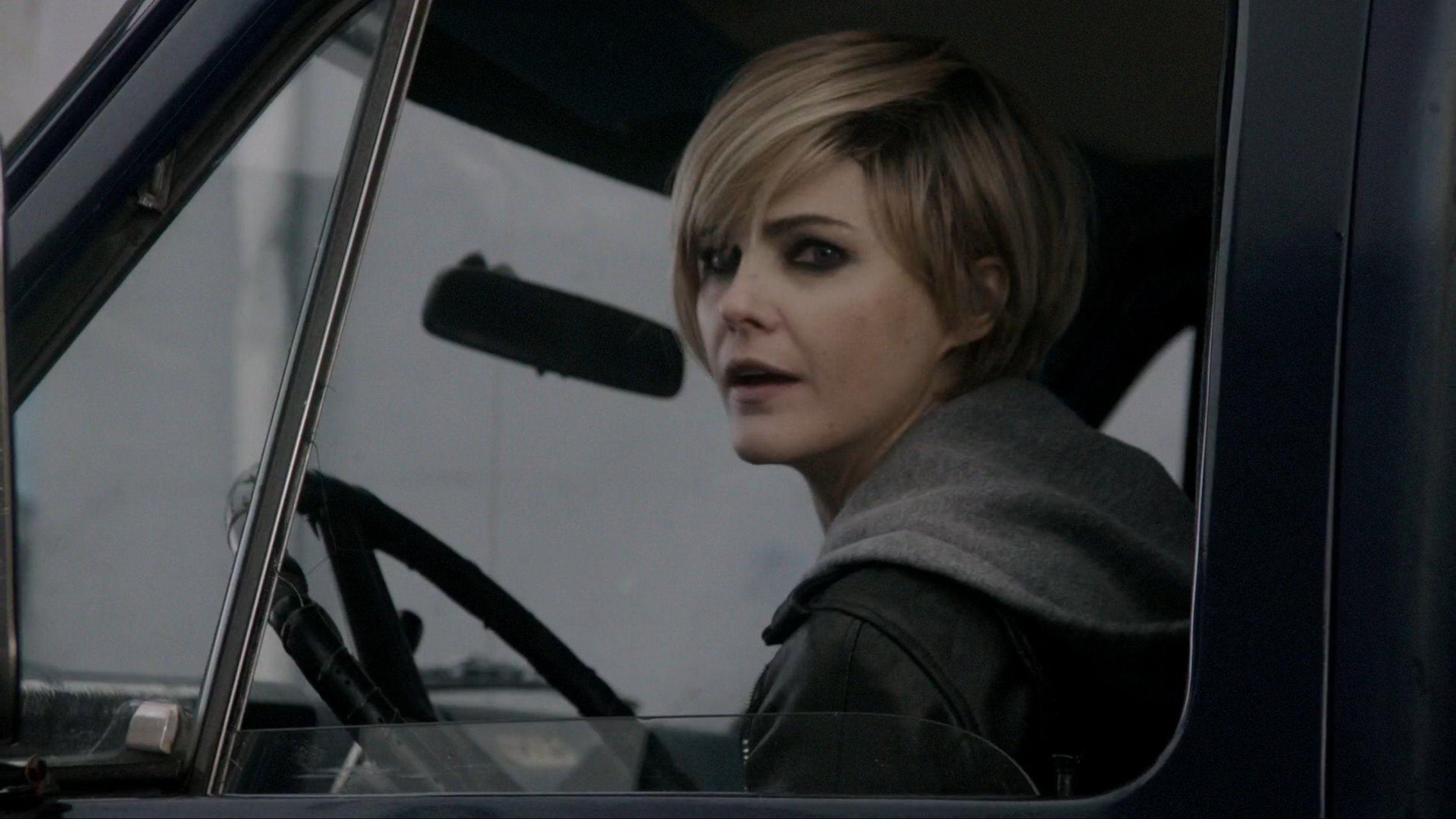 Pixie cut, or tongue-in-cheek Felicity reference?