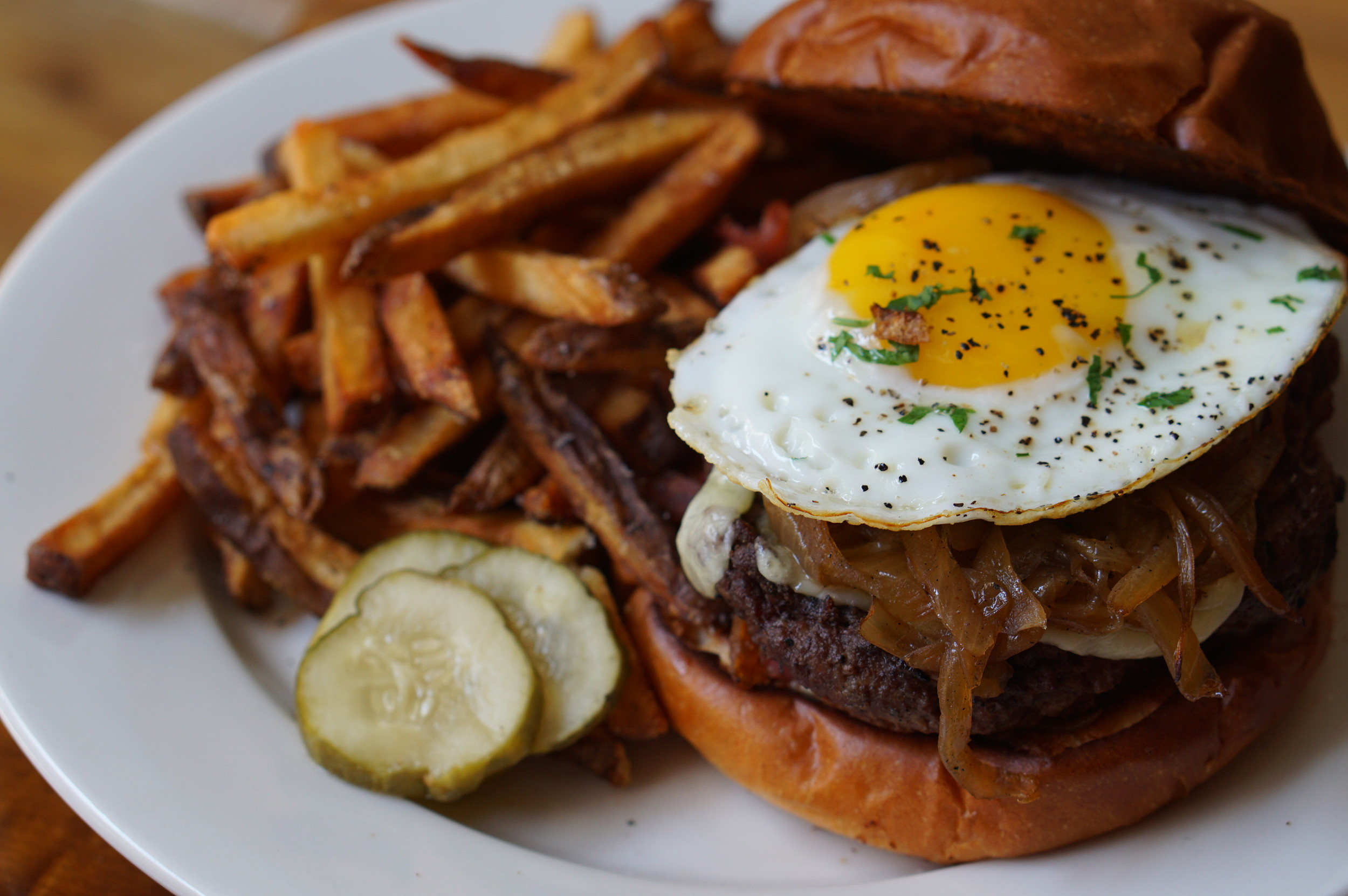 BRU, Sunday Burger, Midtown Village, Openinphilly, restaurant, philadelphia, pope francis, openinphilly, popeinphilly, aversapr