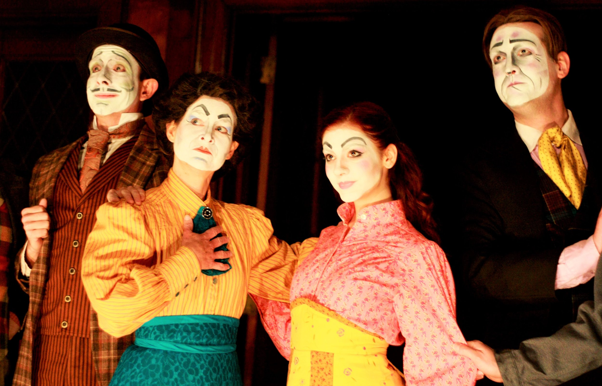 Inis Nua, Dublin by Lamplight, Theatre