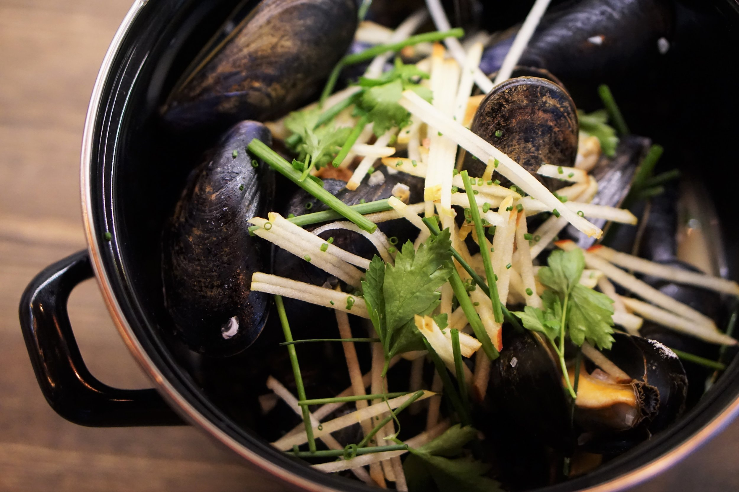 Cinder, Opening, Mussels