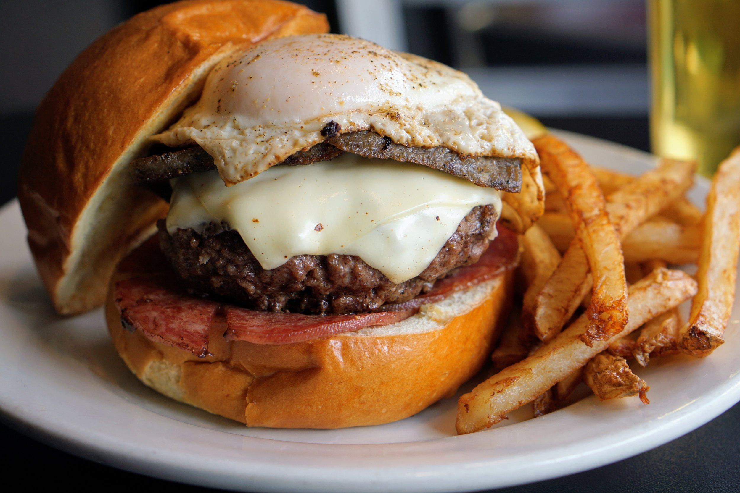 Nick's bar and grille, nick's old city, 5th anniversary, kenzo burger