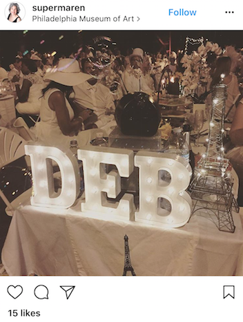 This is an extremely festive table, the light up letters make for the perfect photo-op.