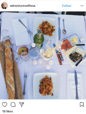 No meal is complete without bread! The baguette is the perfect touch to incorporate Diner En Blanc's French origin!