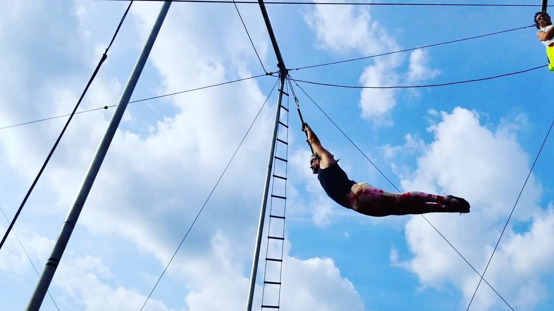 trapeze 2.jpg