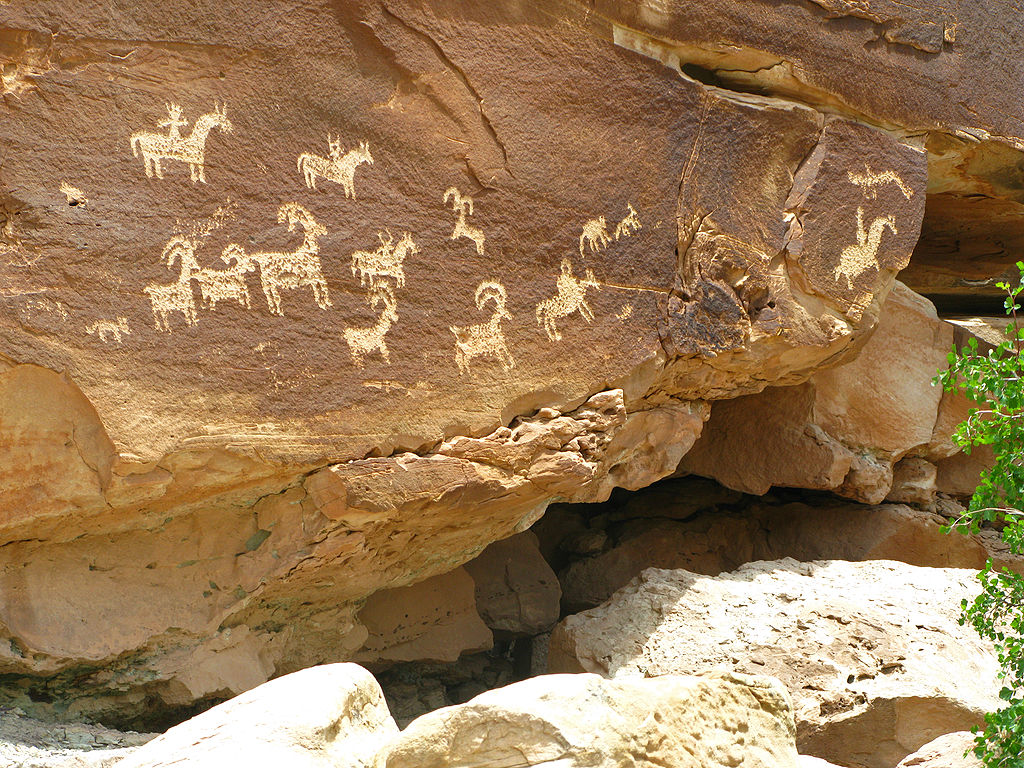 Petroglyphs-Arches_National_Park-US.jpg
