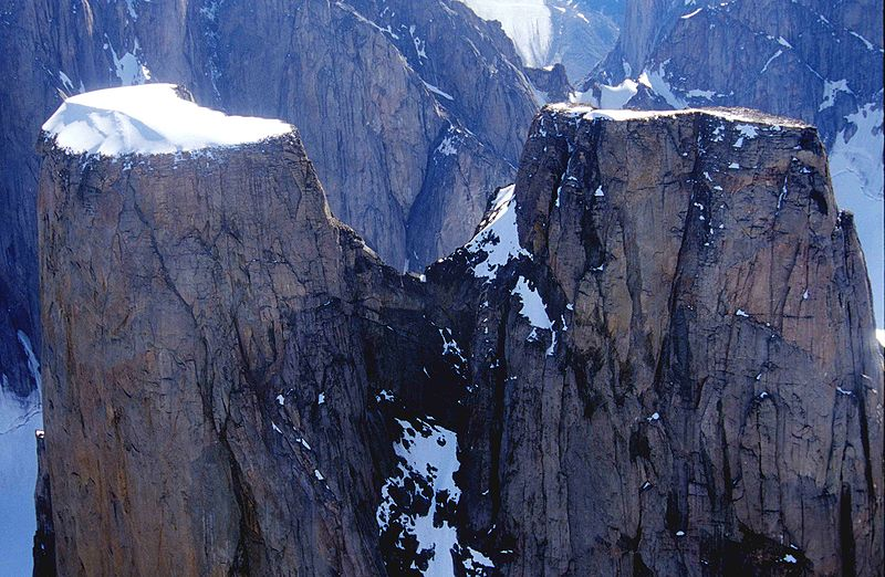 Mount_Asgard-AuyuittuqNP-Nunavit.jpg