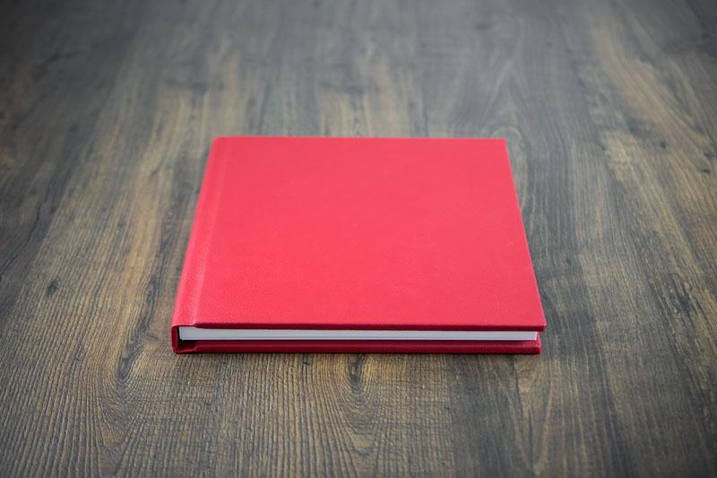 folio_albums_pillarbox_album_001.jpg