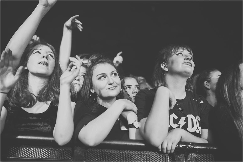 twodoorcinemaclub-a face in the crowd_0006.jpg