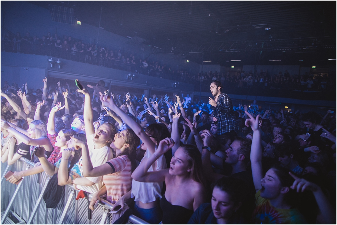 twodoorcinemaclub-a face in the crowd_0069.jpg