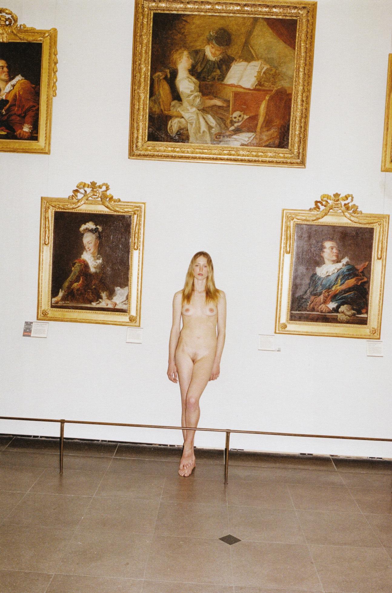 Raquel_Zimmermann-Charlotte_Rampling-Juergen_Teller-Louvre-01.jpeg