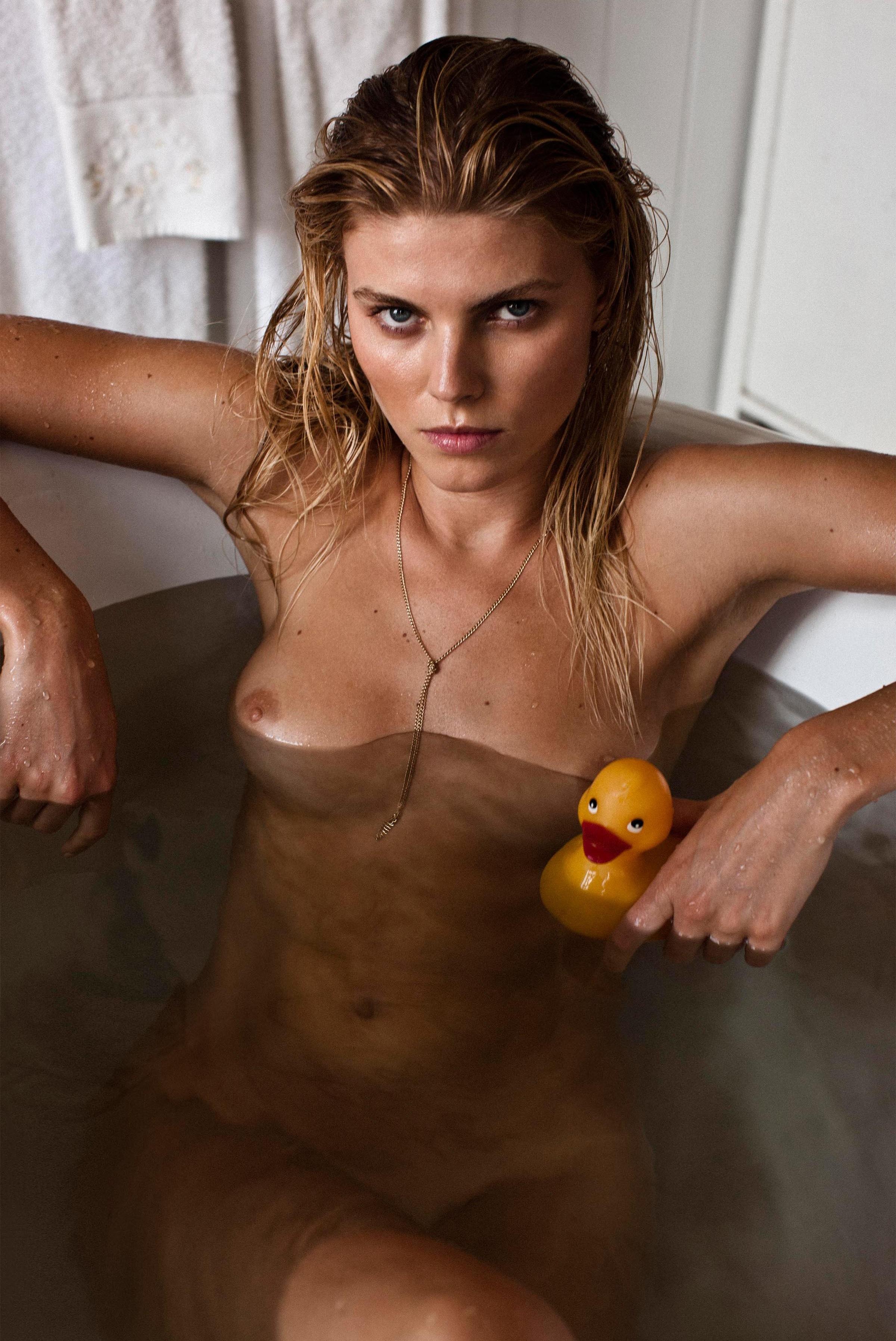 Maryna_Linchuk-Victor_Demarchelier-25_Magazine-01-itr2010.jpeg