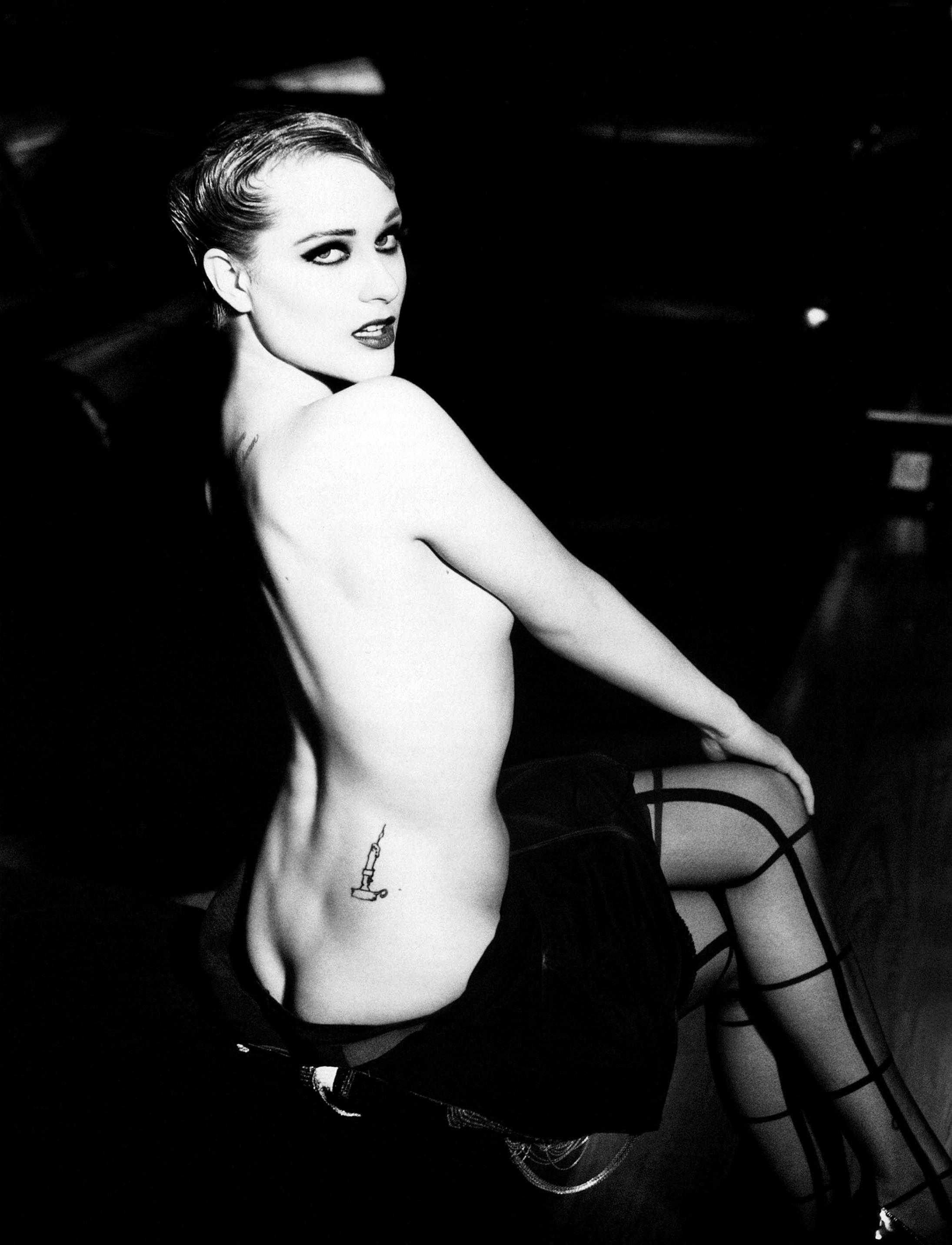 Evan_Rachel_Wood-Ellen_Von_Unwerth-Flaunt-02.jpeg