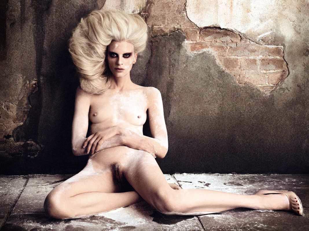 Kristen_McMenamy-Daniele_Duella-Iango_Henzi-Vogue_Germany.jpeg