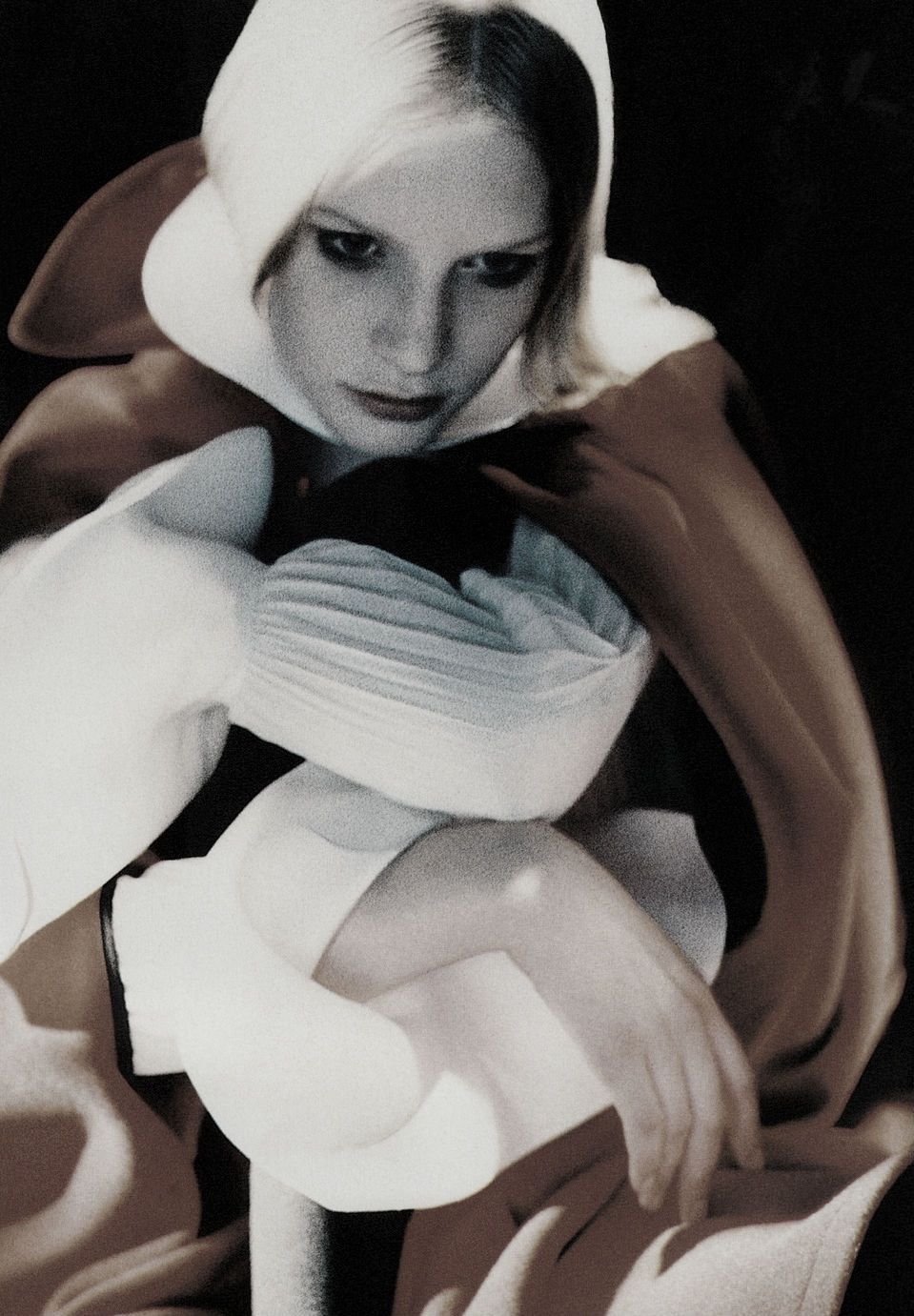 Kirsten_Owen-Javier_Valhonrat-Vogue_Italia-thedoppelganger.jpeg