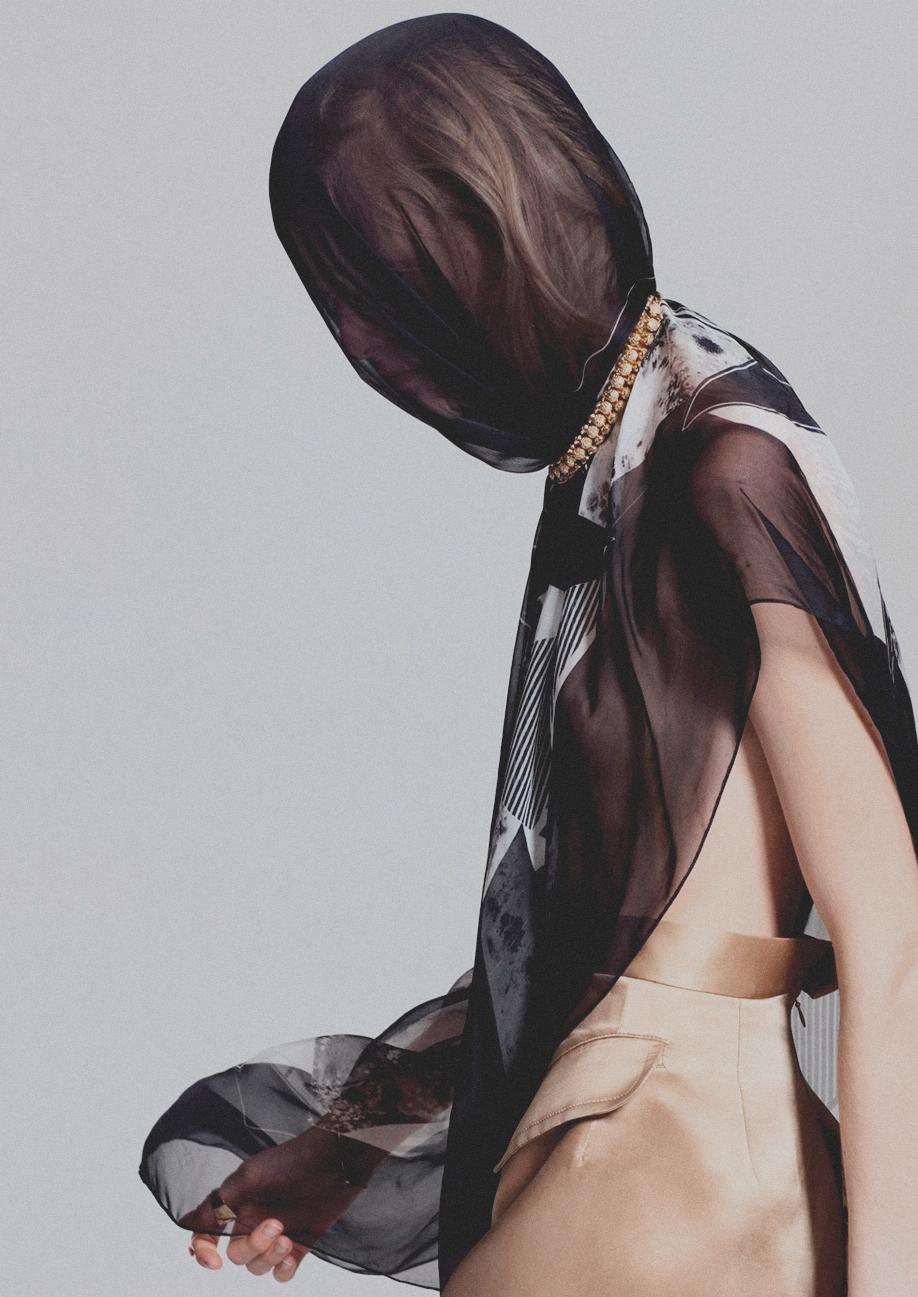 Hanne-Gaby_Odiele-Derek_Henderson-everythingyoulovetohate.jpg