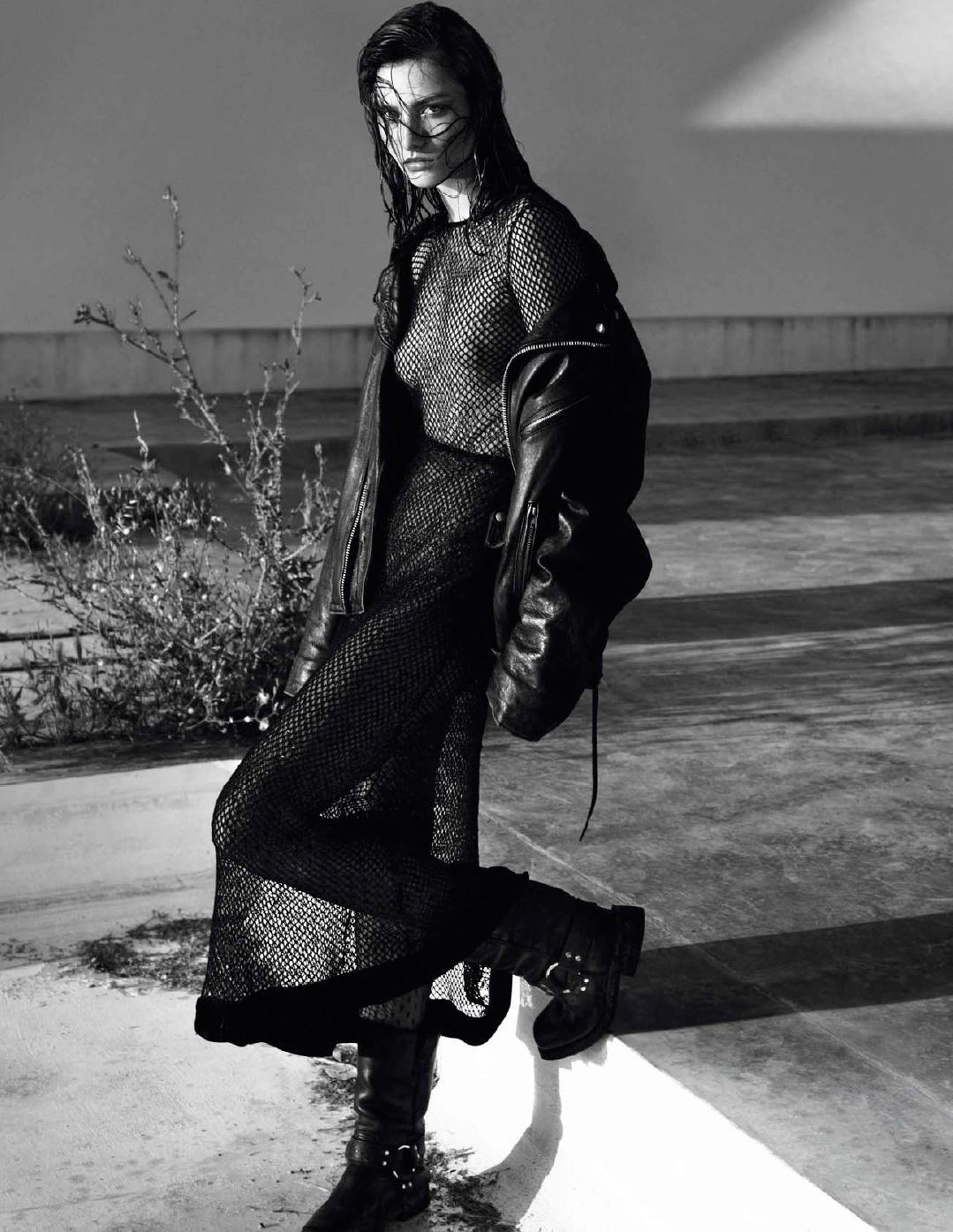 Andree_Diaconu-Mert_Alas-Marcus_Piggott-Vogue_Paris-01.jpg