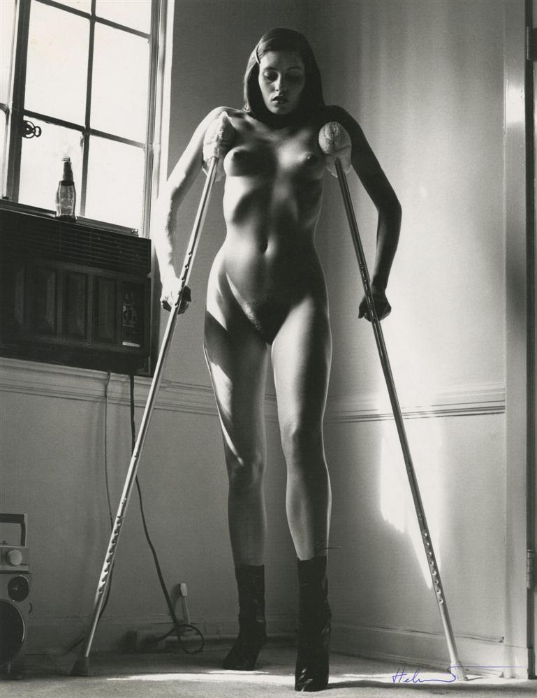 Helmut_Newton-12-pussylesqueer.jpg
