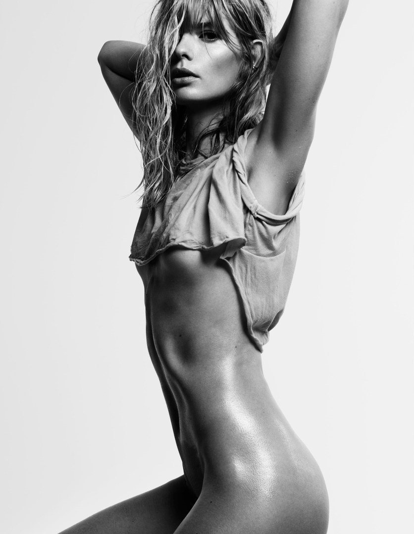 Julia_Stegner-Claudia_Knoepfel-Stefan_Indlekofer-25_Magazine-02-itr2010.jpg