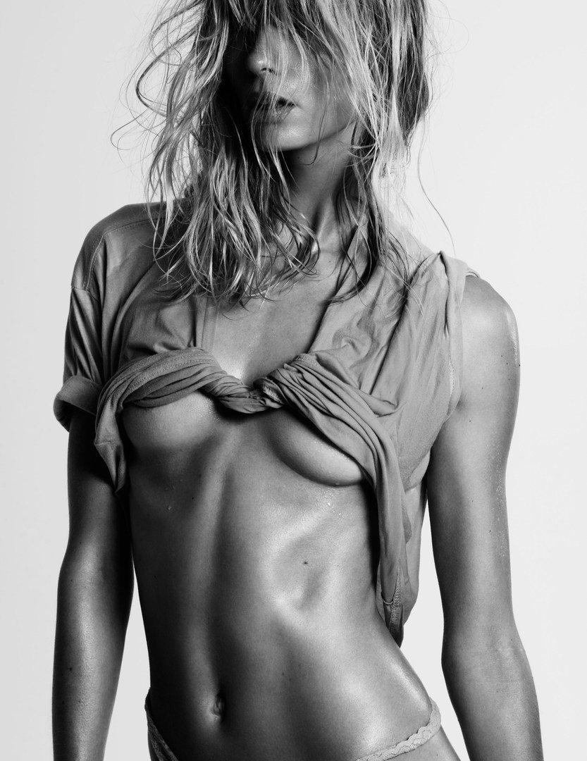 Julia_Stegner-Claudia_Knoepfel-Stefan_Indlekofer-25_Magazine-04-itr2010.jpg