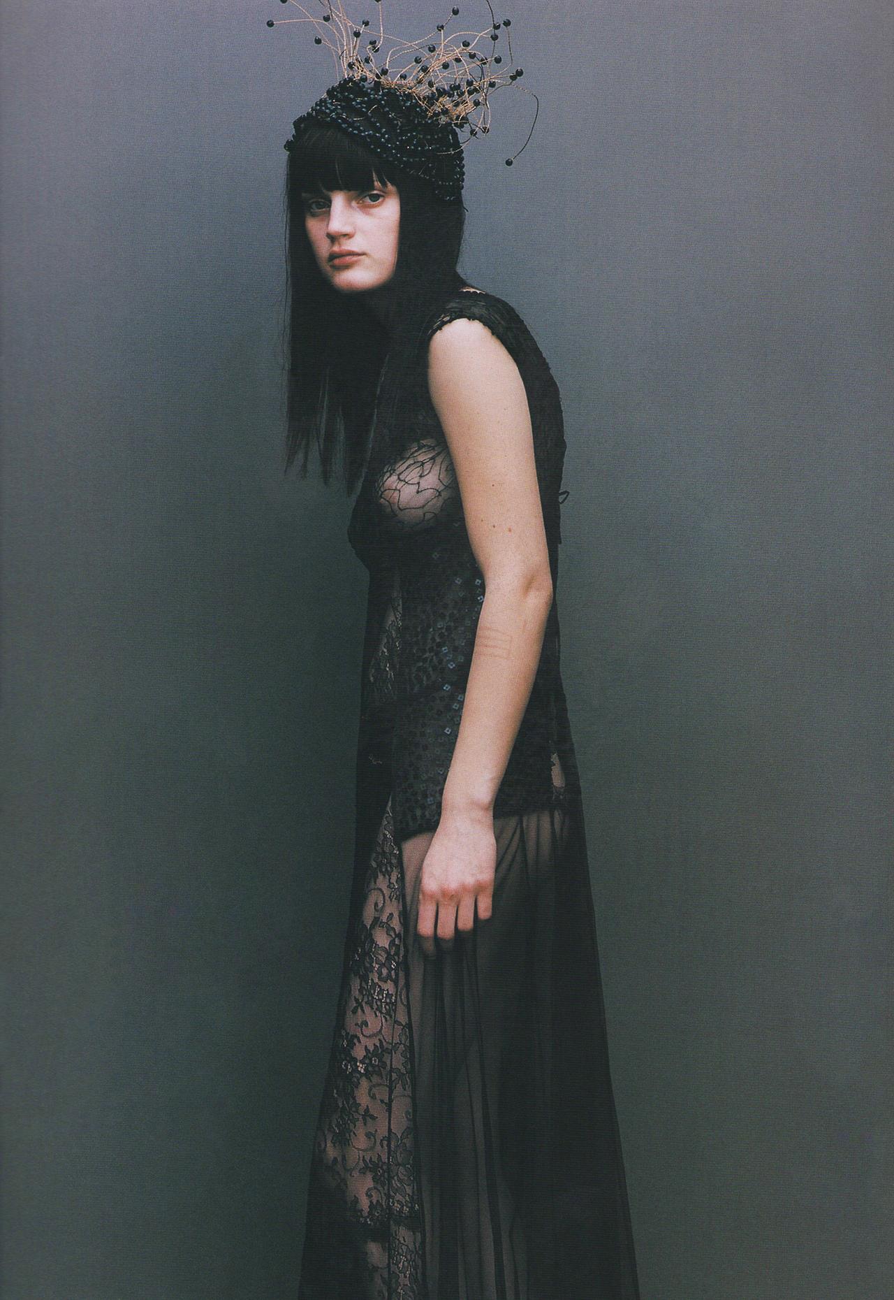 Guinevere_van_Seenus-Thomas_Schenk-Dutch-1998-02-ombresdupasse.jpg