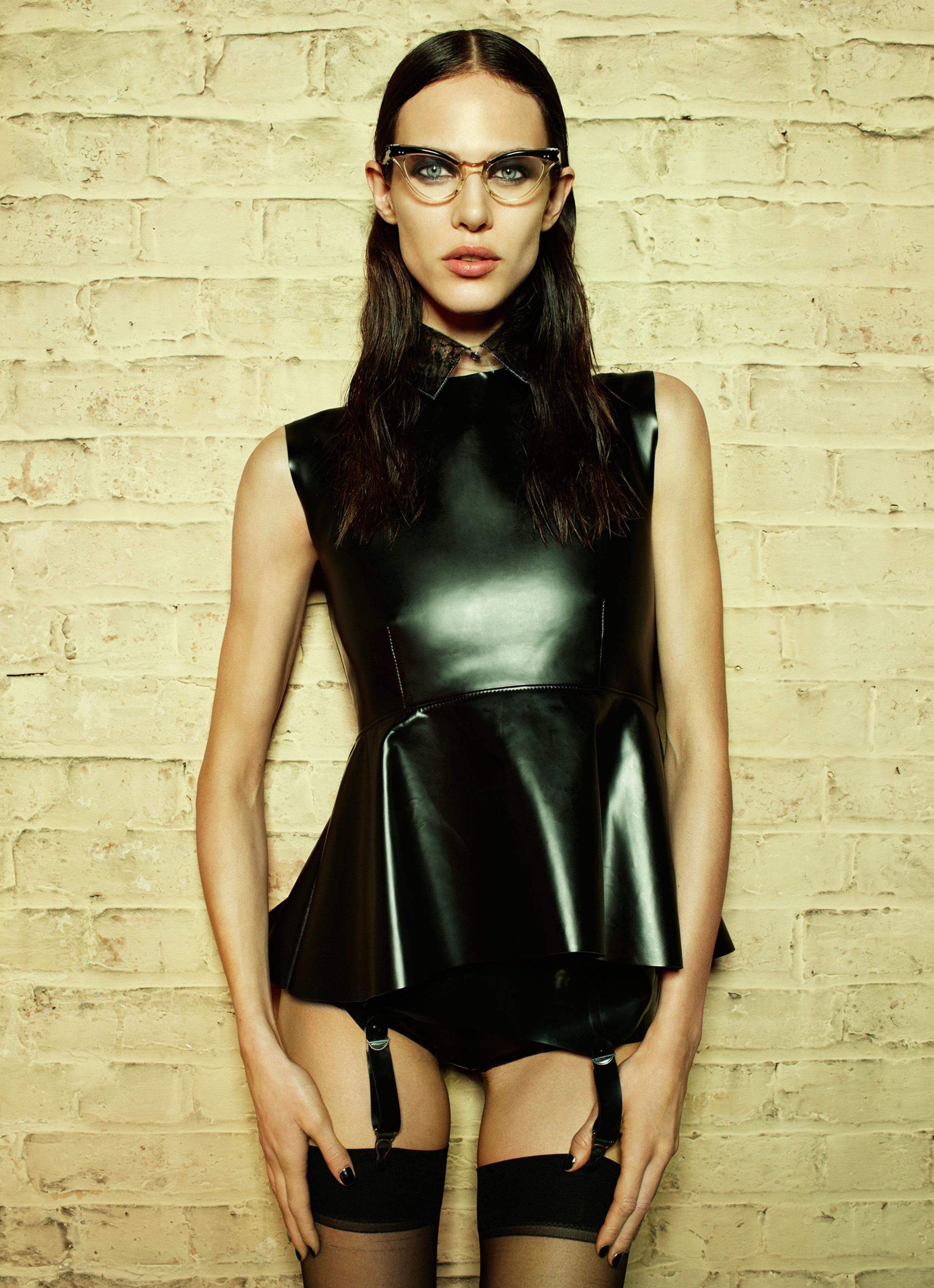 Aymeline_Valade-Emma_Summerton-Fat_Magazine-04-mode.newslicious.jpg