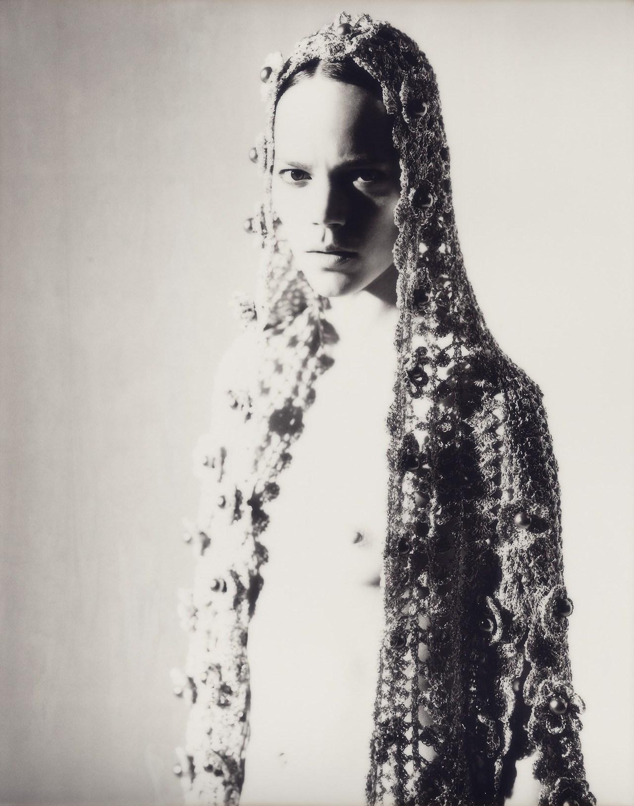 Freja_Beha_Erichsen-Richard_Bush-Document_Journal-04-portraitsofgirls.jpg