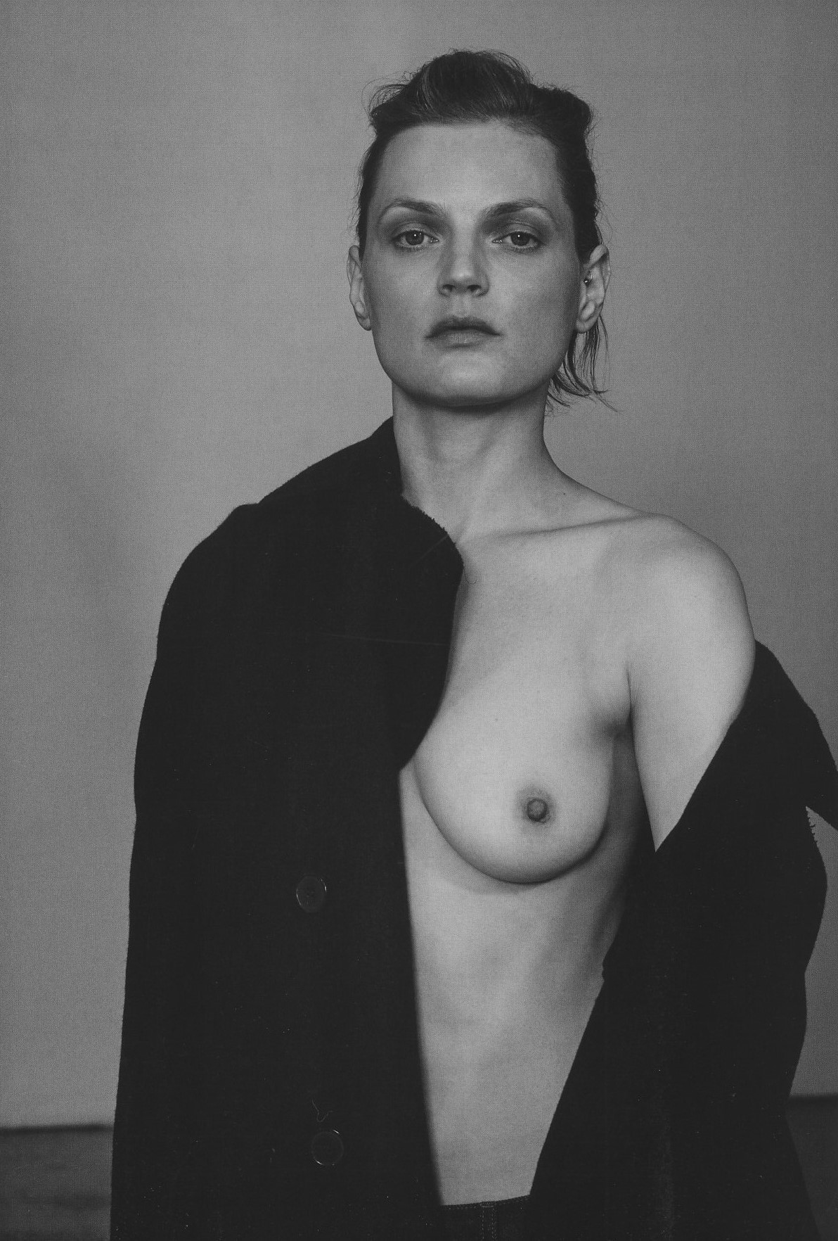 Guinevere_van_Seenus-Collier_Schorr-AnOther_Magazine.jpg