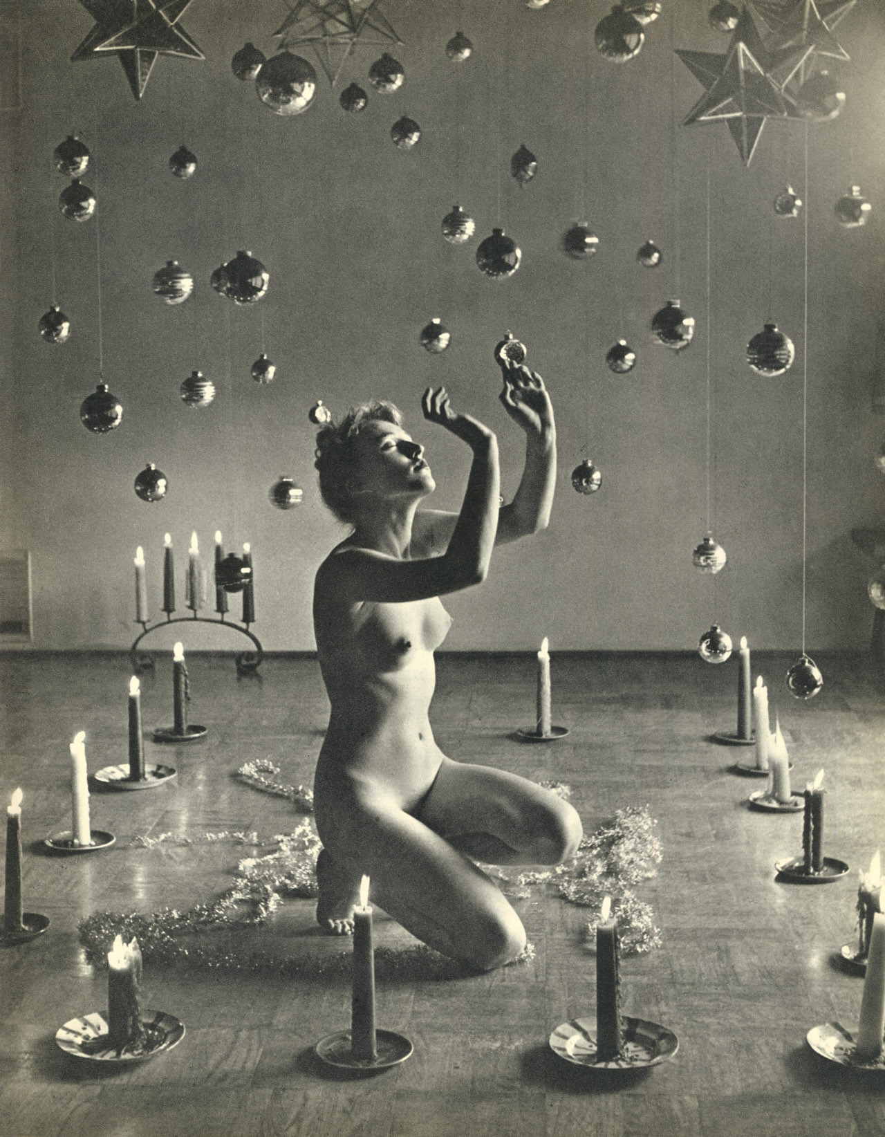 Andre_de_Dienes-night-rooms.jpg