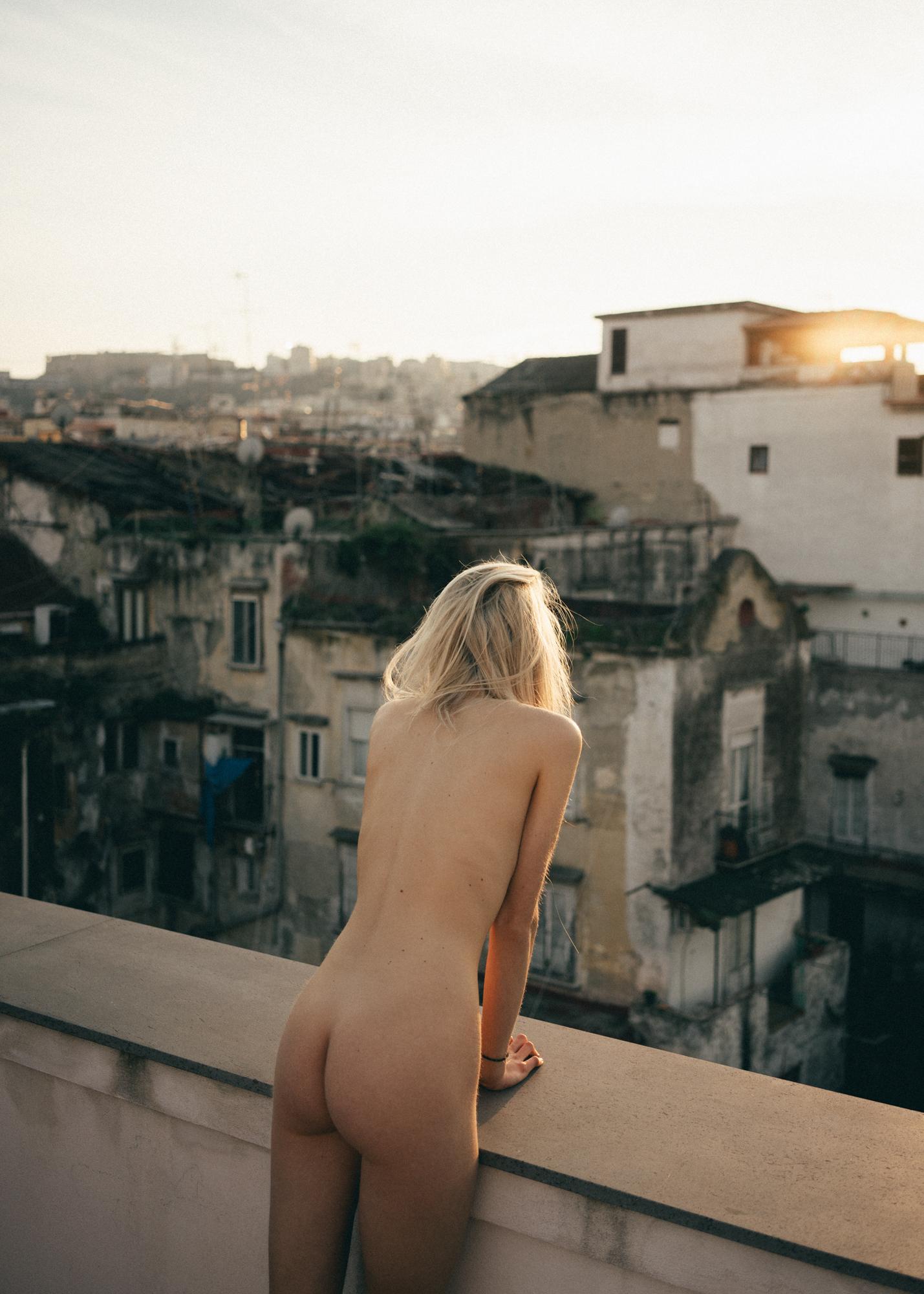 Sarah_Friedeberg-Alexis_White-Feetrica-01.jpg