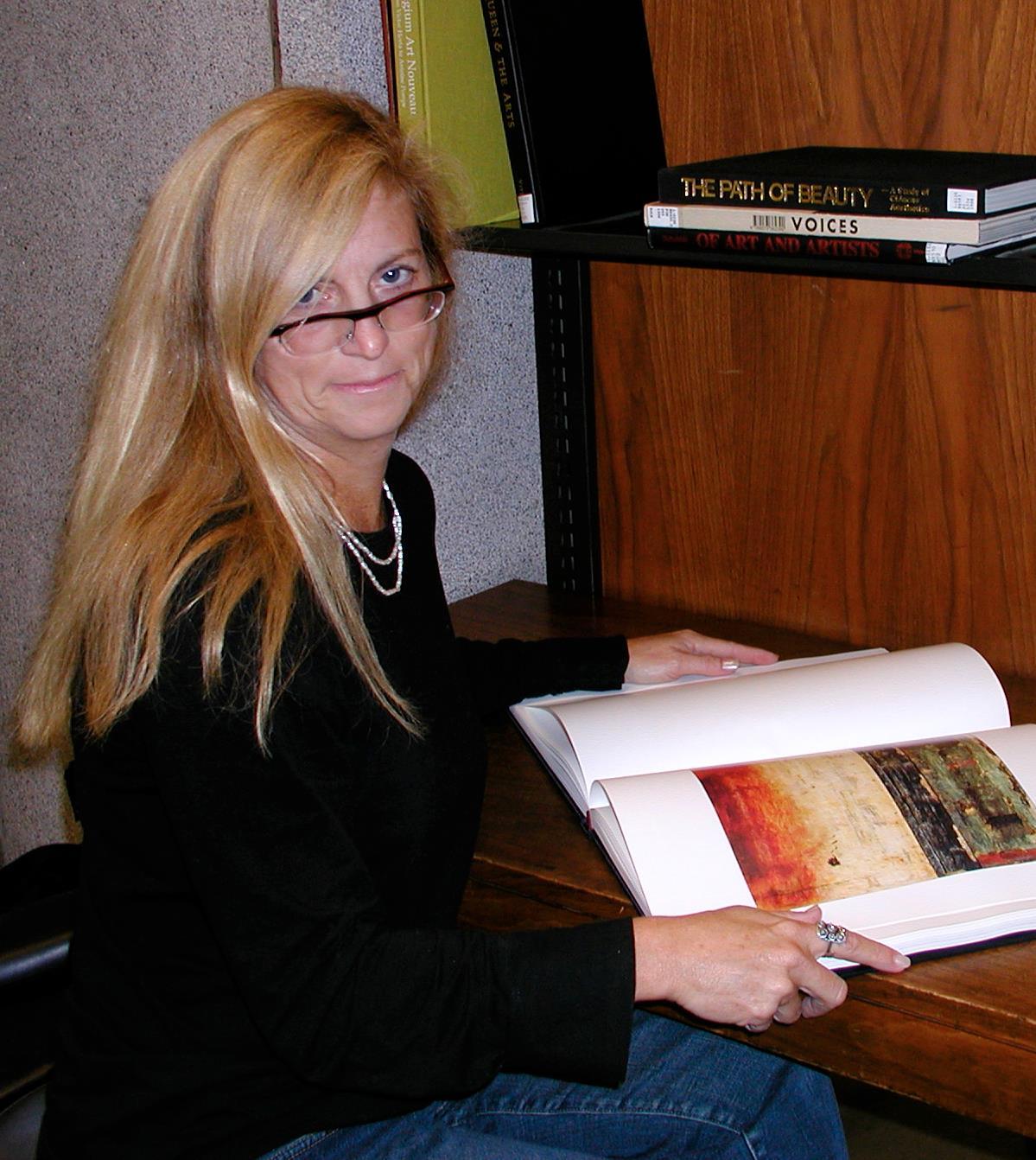 Amy @ Rockefeller Library.JPG