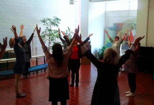 pyhä tanssi lapissa.jpg