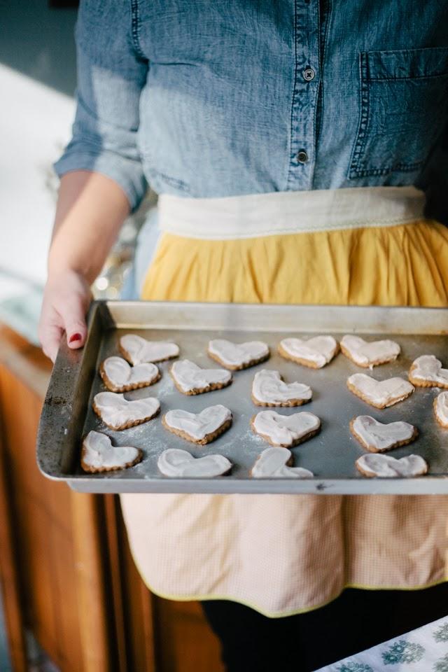 Gingerbread-Cookies-Recipe-2.jpg
