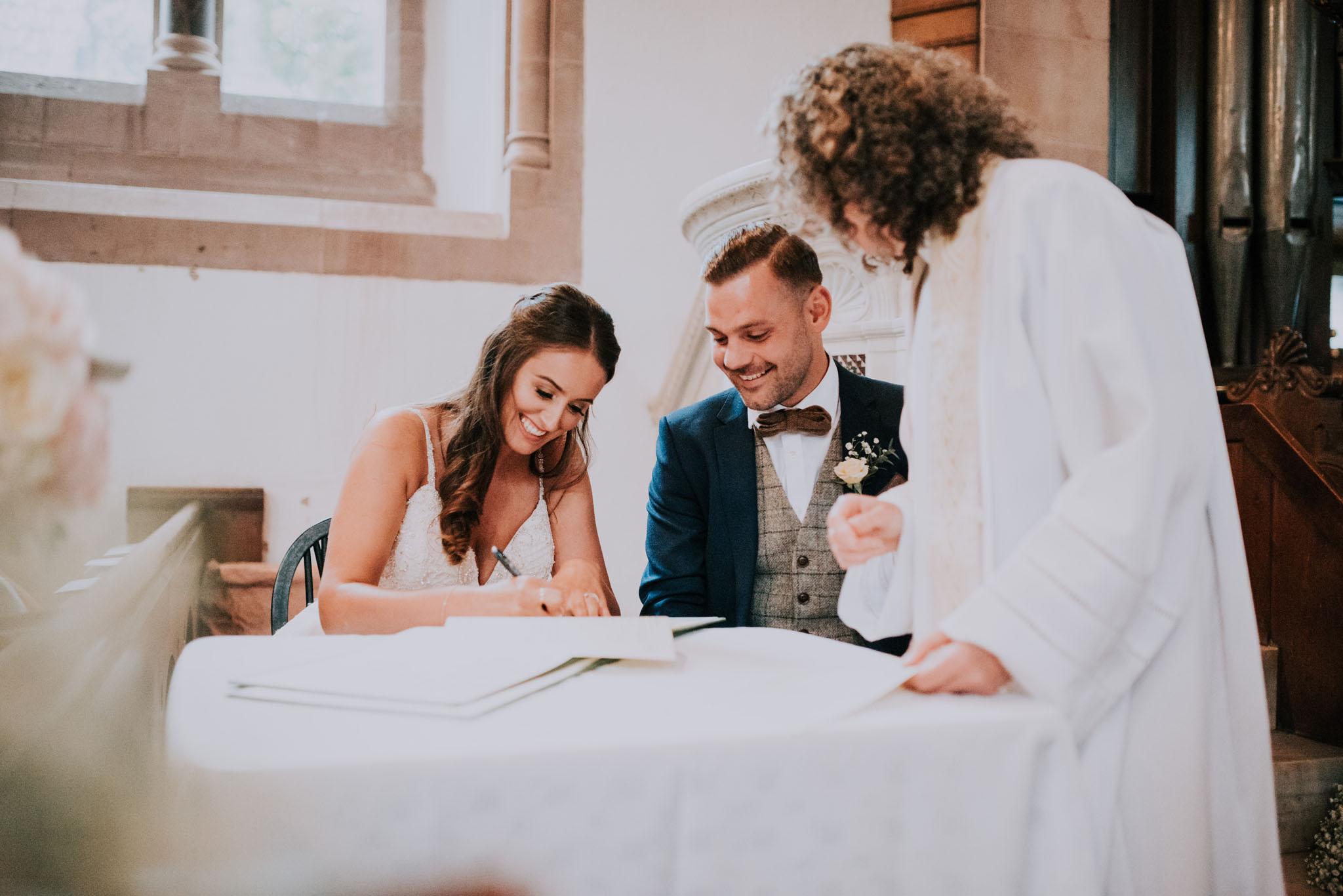 wedding-photographer-glewstone-court-hereford-scott-stockwell-photography203.jpg