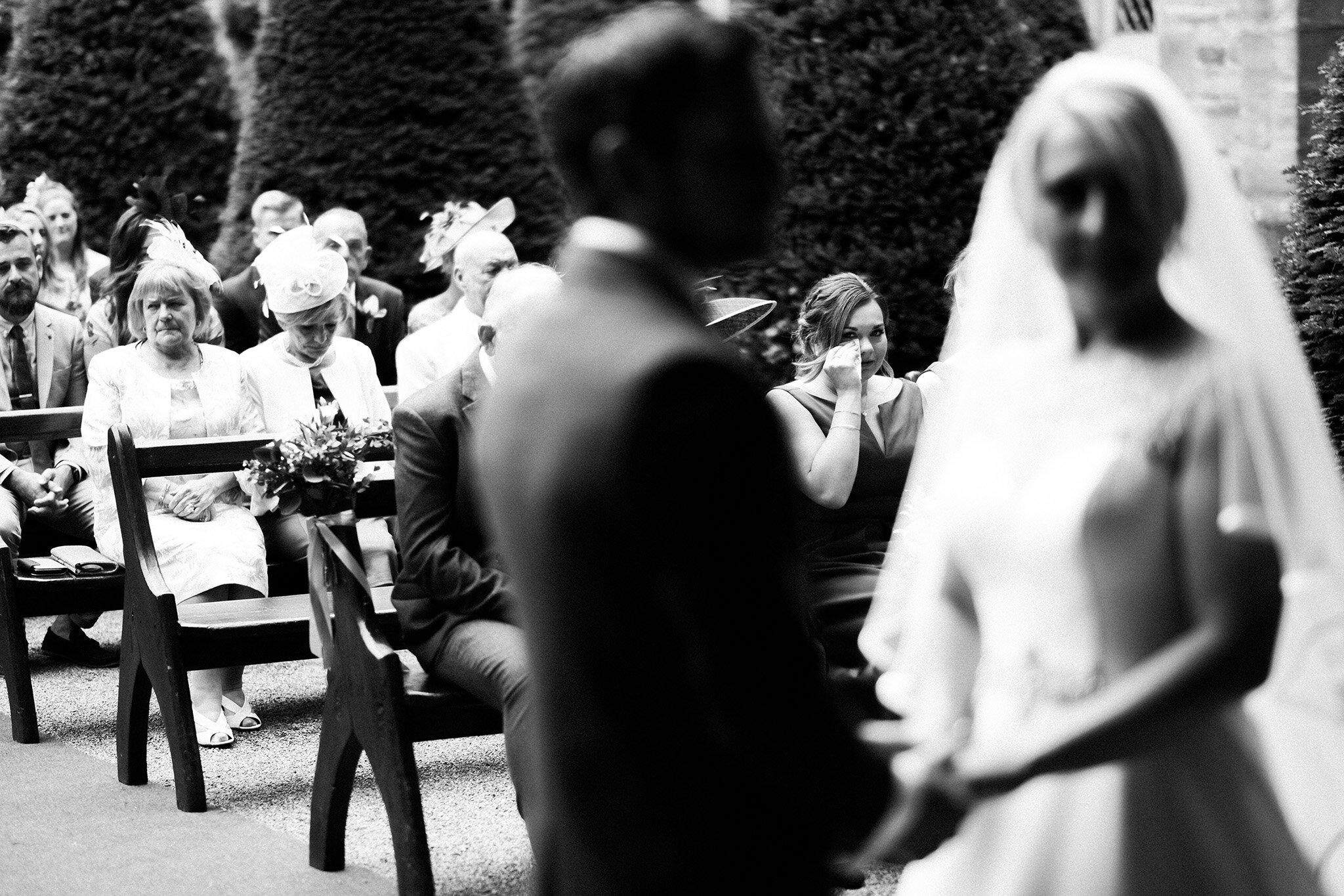 Scott-Stockwell-Photography-wedding-photographer-hampton-court-castle-crying.jpg