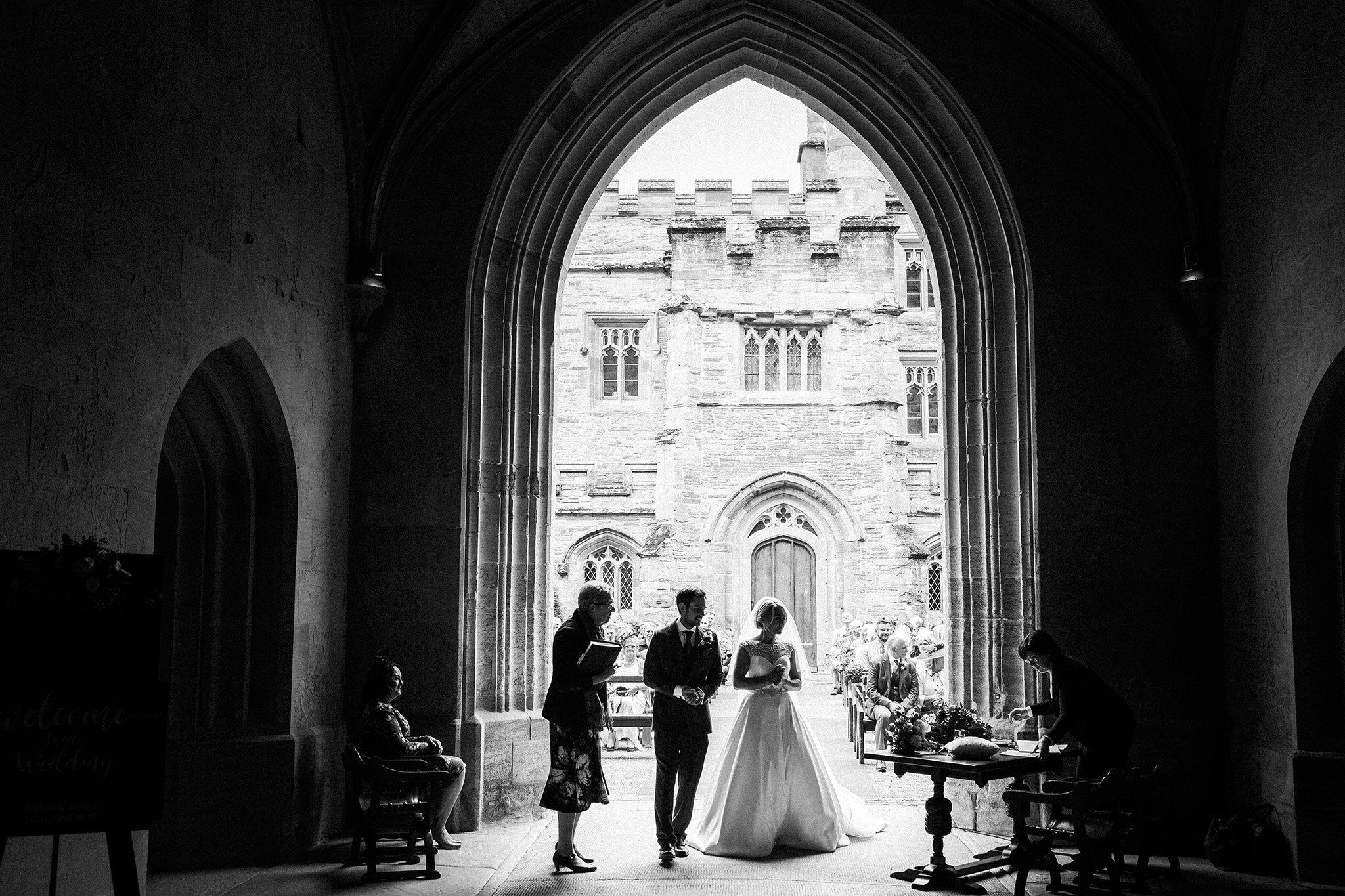 Scott-Stockwell-Photography-wedding-photographer-hampton-court-castle-sarah-james.jpg