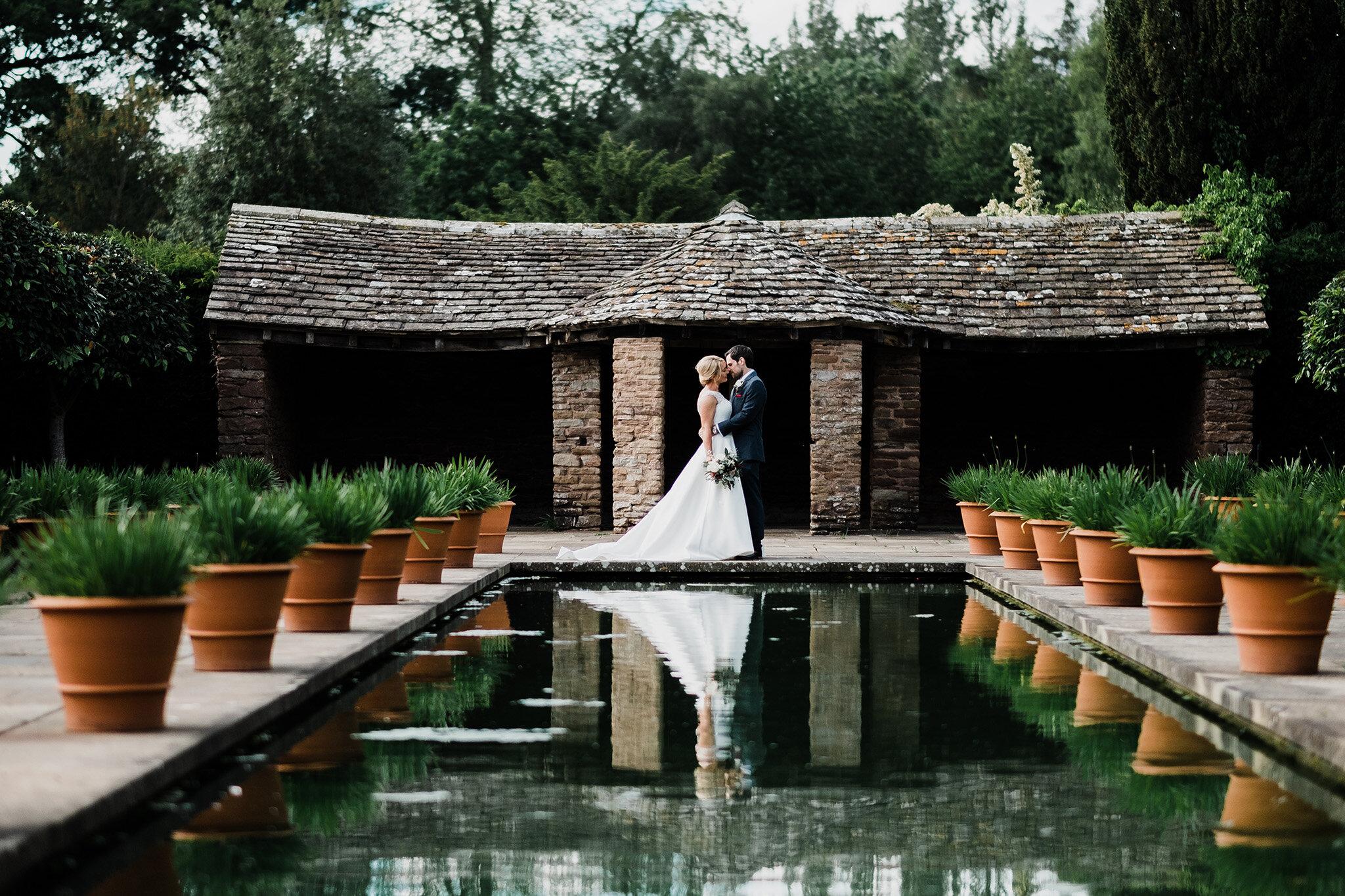 Scott-Stockwell-Photography-wedding-photographer-hampton-court-castle.jpg