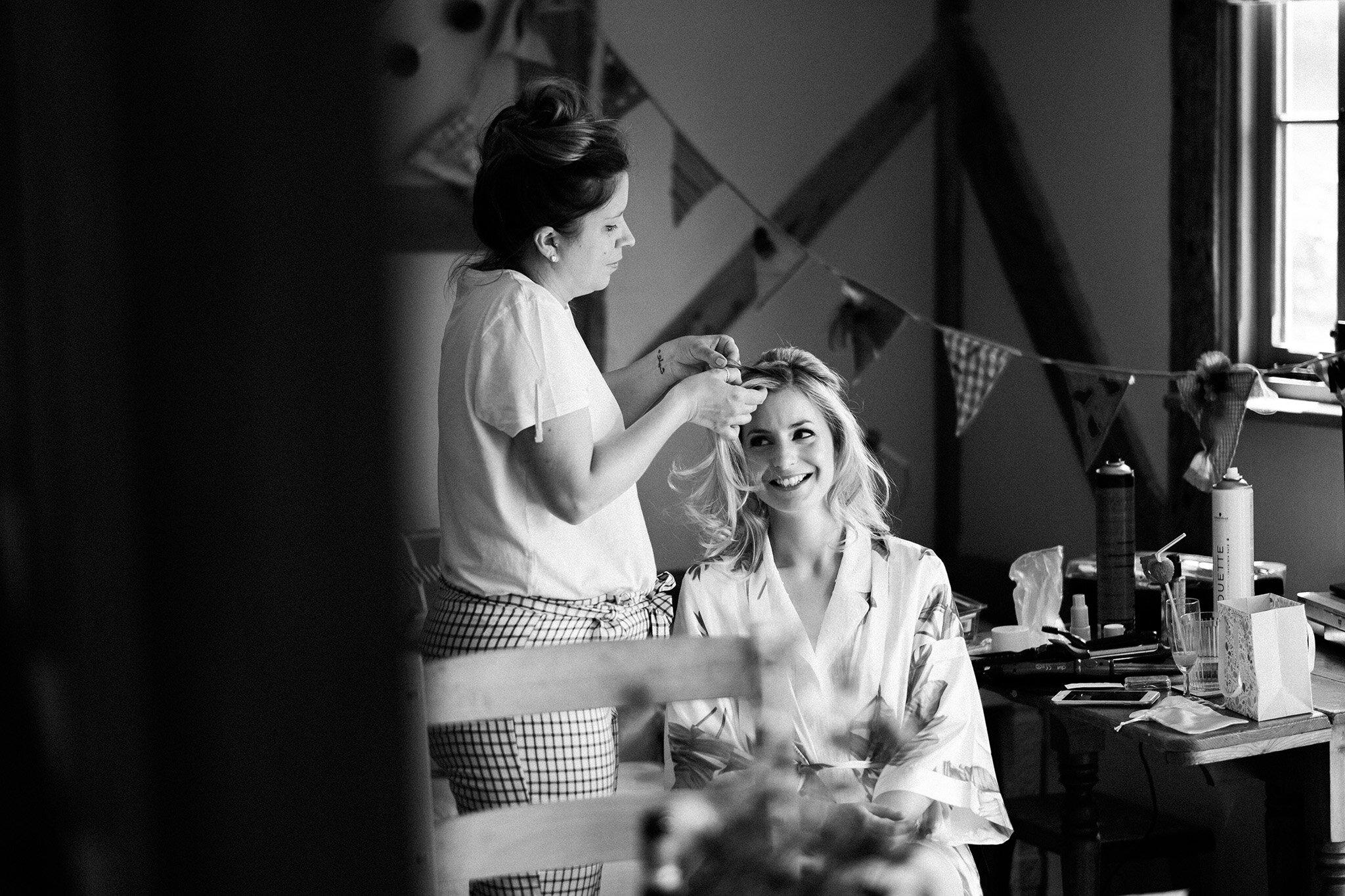 Scott-Stockwell-Photography-wedding-photographer-tim-alice-bride-prep.jpg