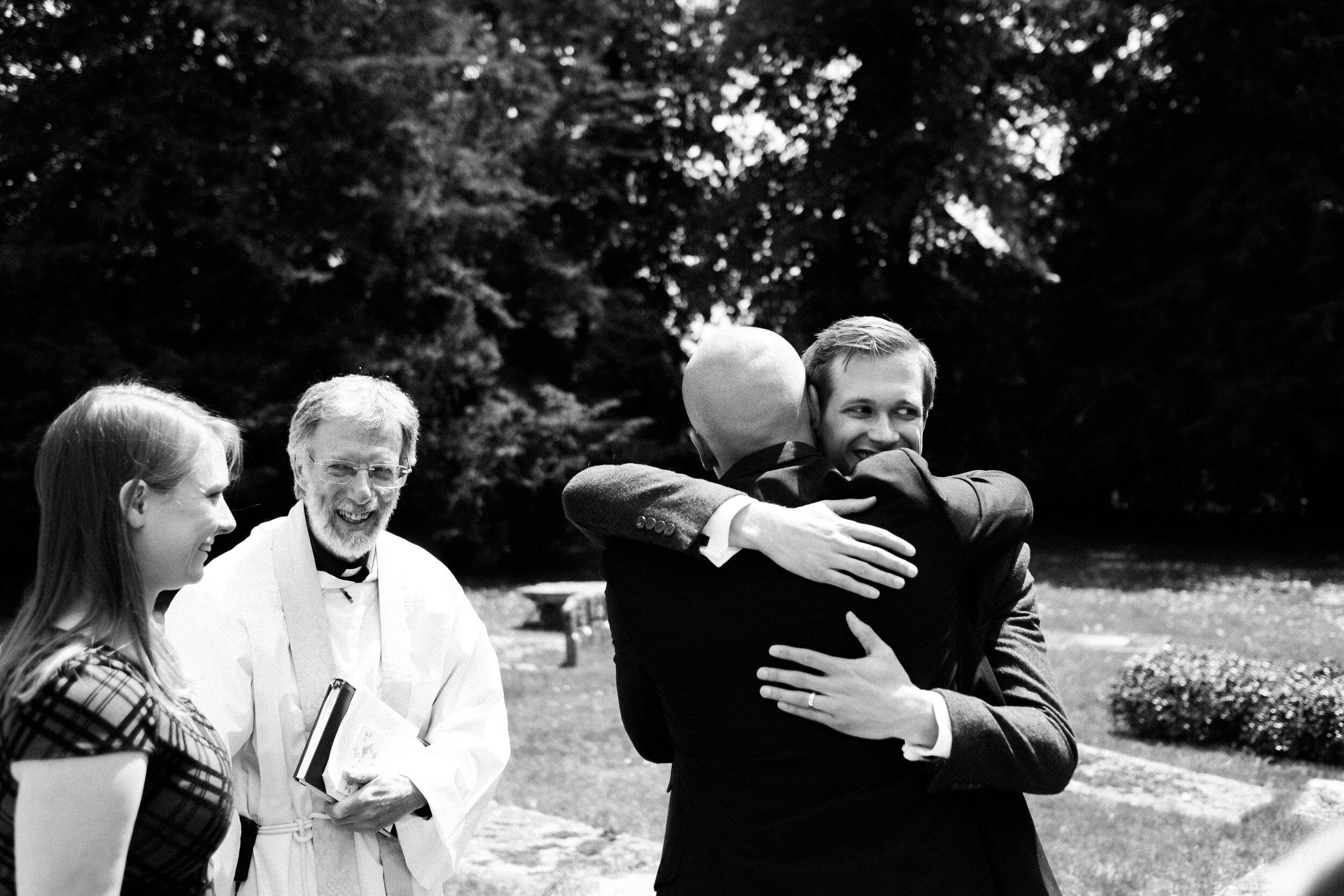 scott-stockwell-photography-wedding-photographer-josh-freya-hug.jpg