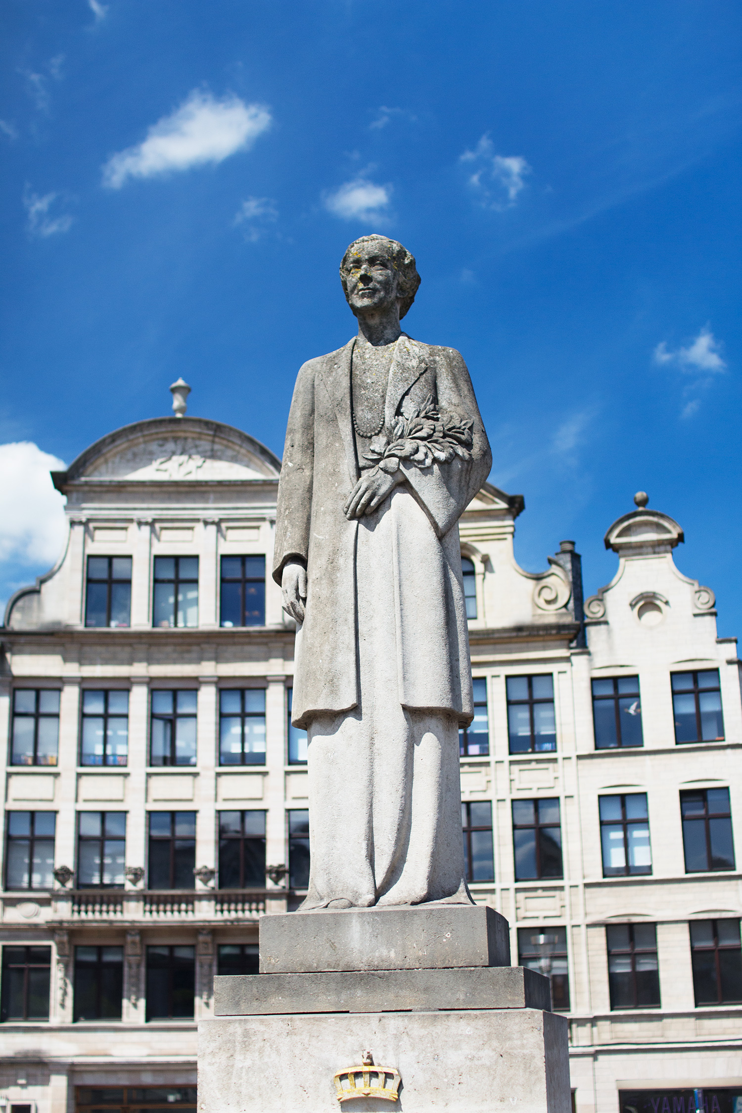 Queen Elisabeth Statue in Brussels, Belgium