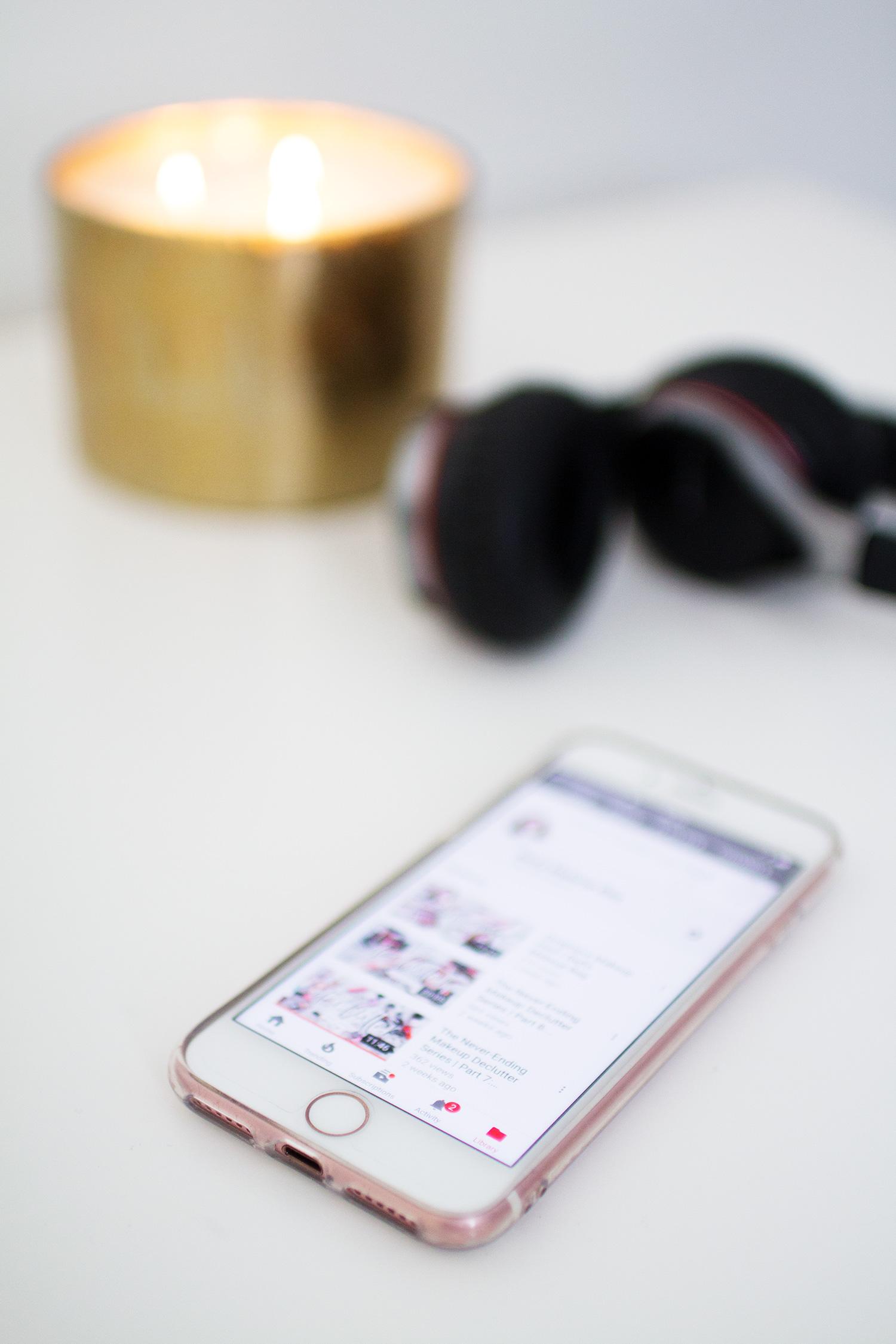 iPhone 7 on white desk