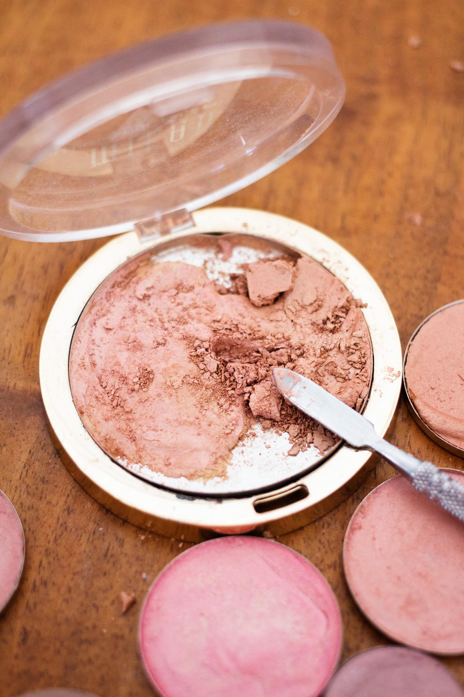 Fixing-broken-makeup.jpg