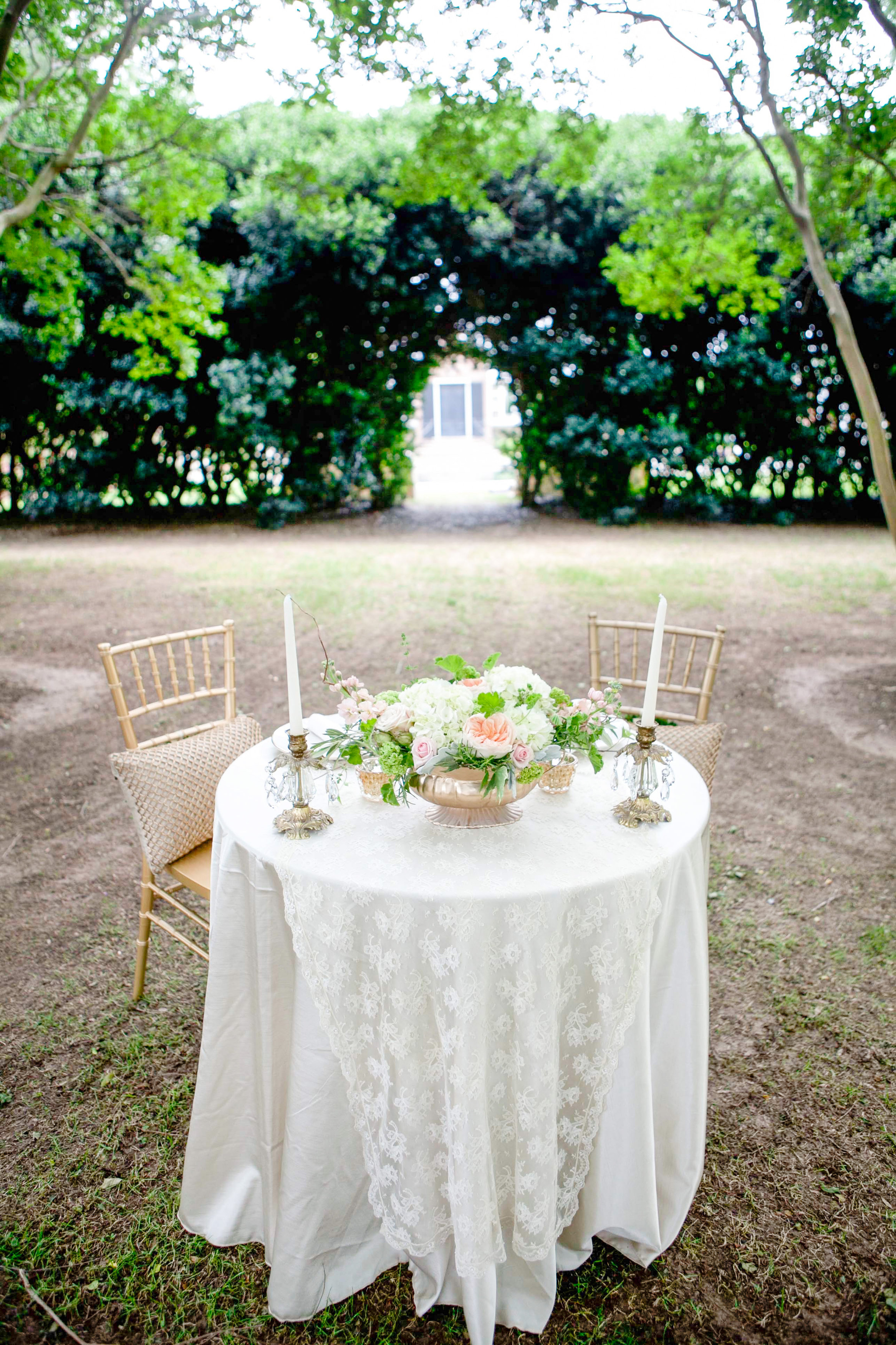 We created a secret dinner for two for them after the ceremony.