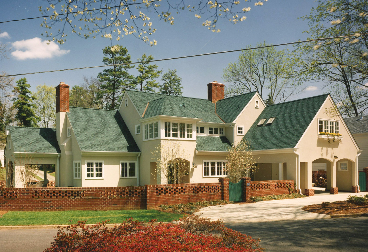 private-residence-greensboro-nc-01-a-plus-architects-frank-cheney-front-01-crop.jpg