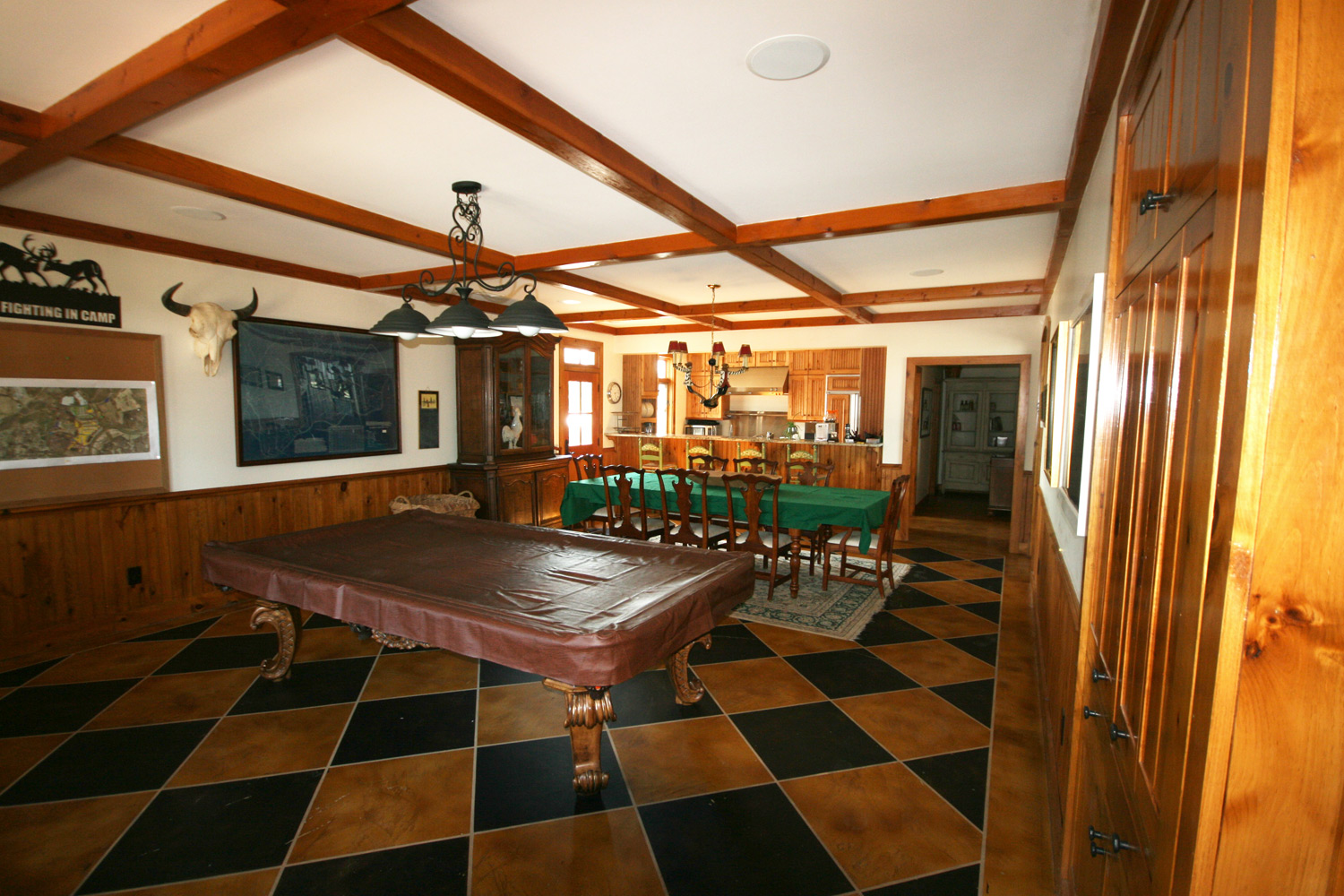 The Lodge at Willow Oaks, Kitchen/Dining