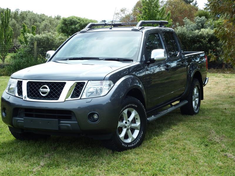 2011 Nissan Navara.jpg