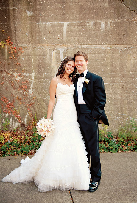chicago-real-wedding-traditional-intimate-fall-001.jpg