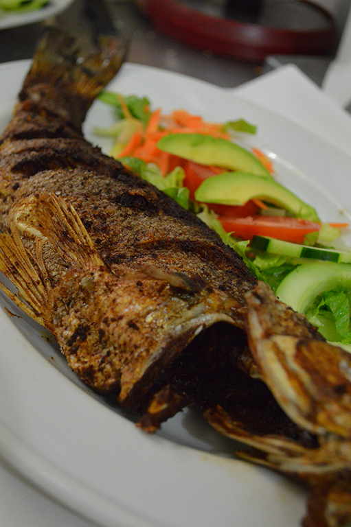 Filete de pescado al mojo de ajo_Hnos Hidalgo Carrión_Restaurante_Coatzacoalcos_Veracruz_tradición